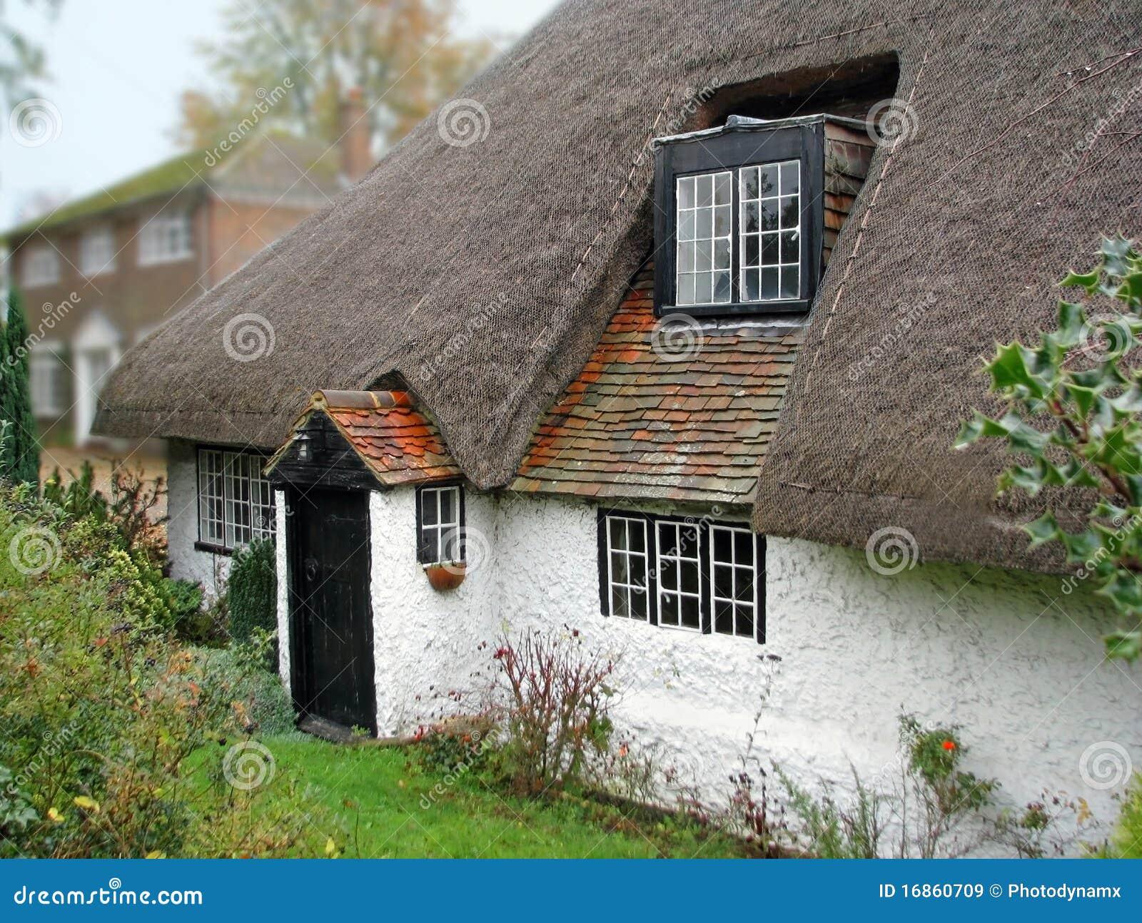 Vieux Kent a couvert la maison de chaume