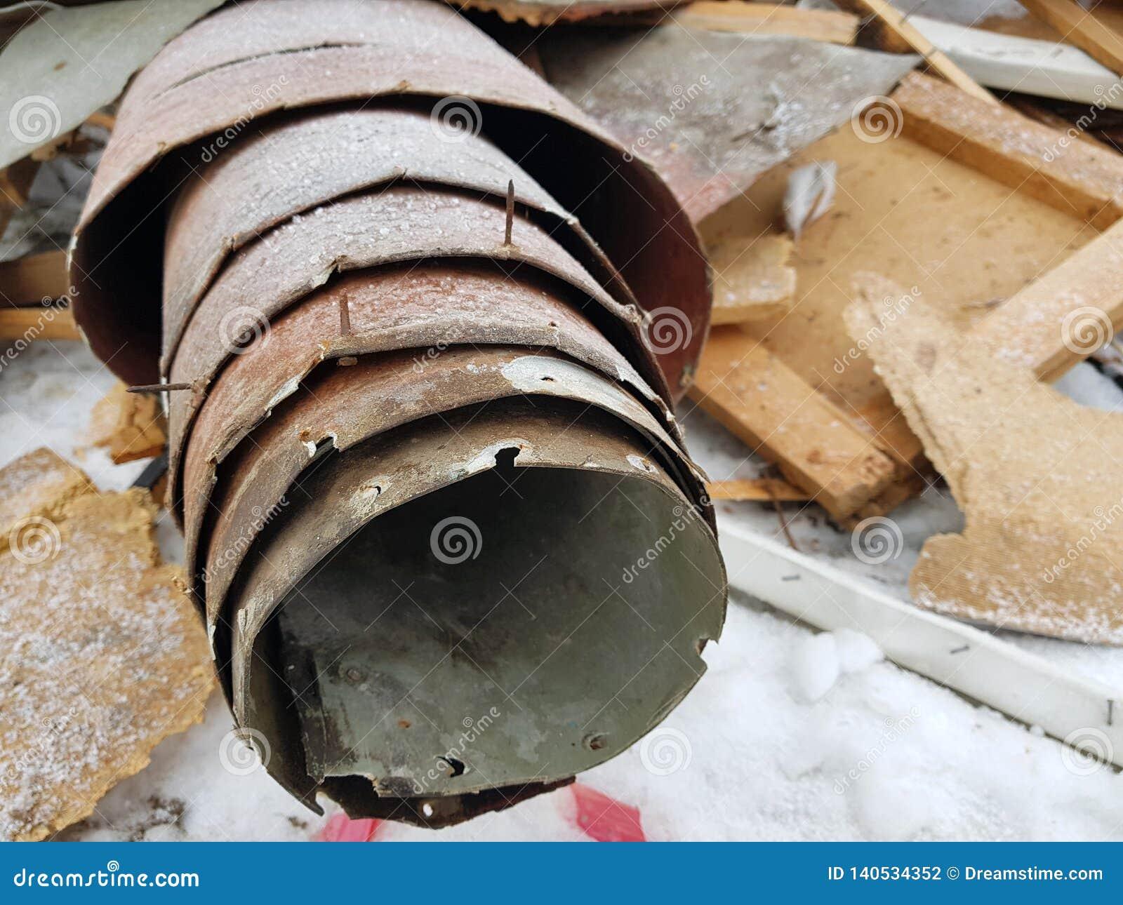 Vieux linoléum et vieux conseils, réparations et débris