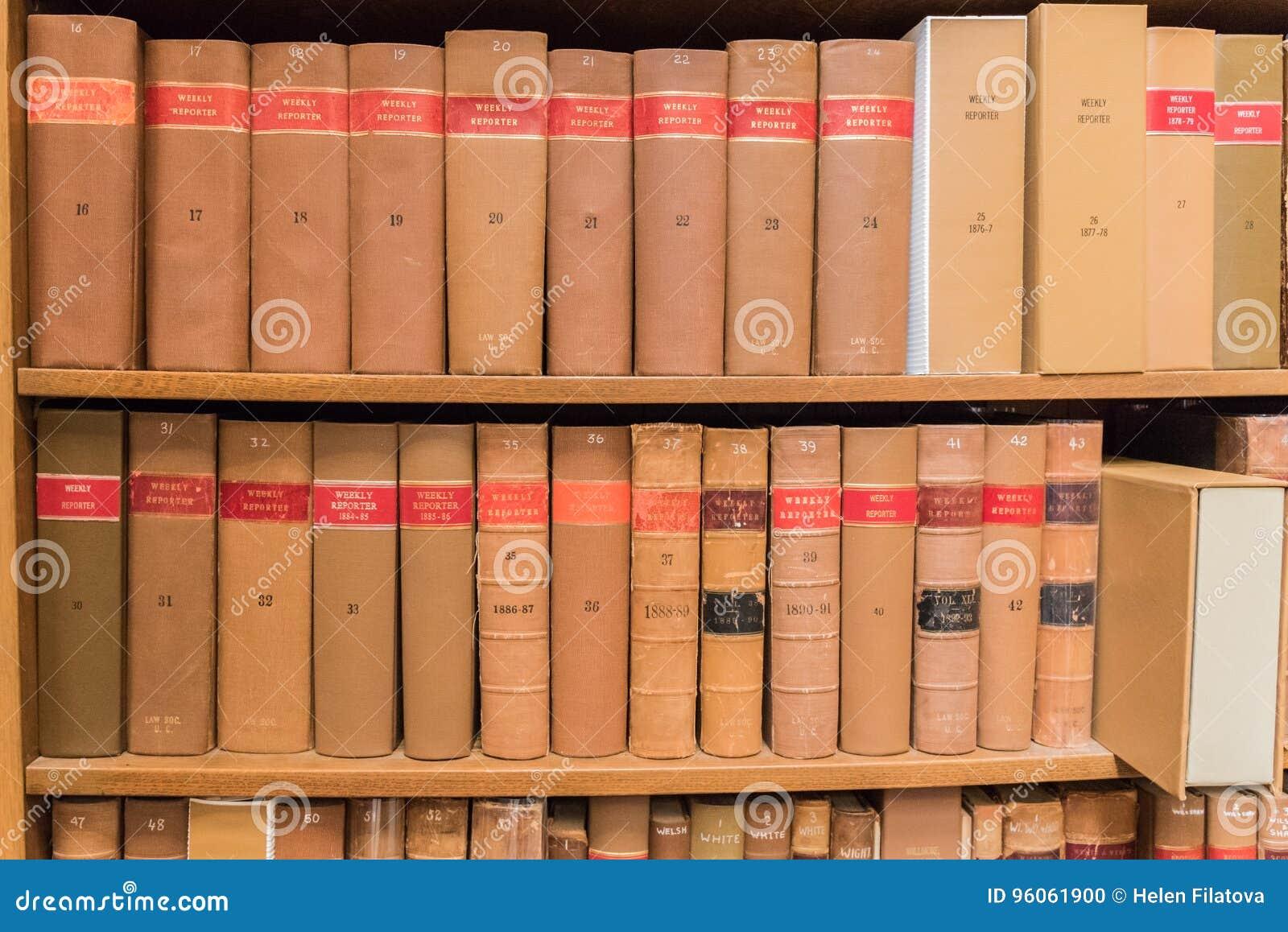 Vieux livres dans a libraly