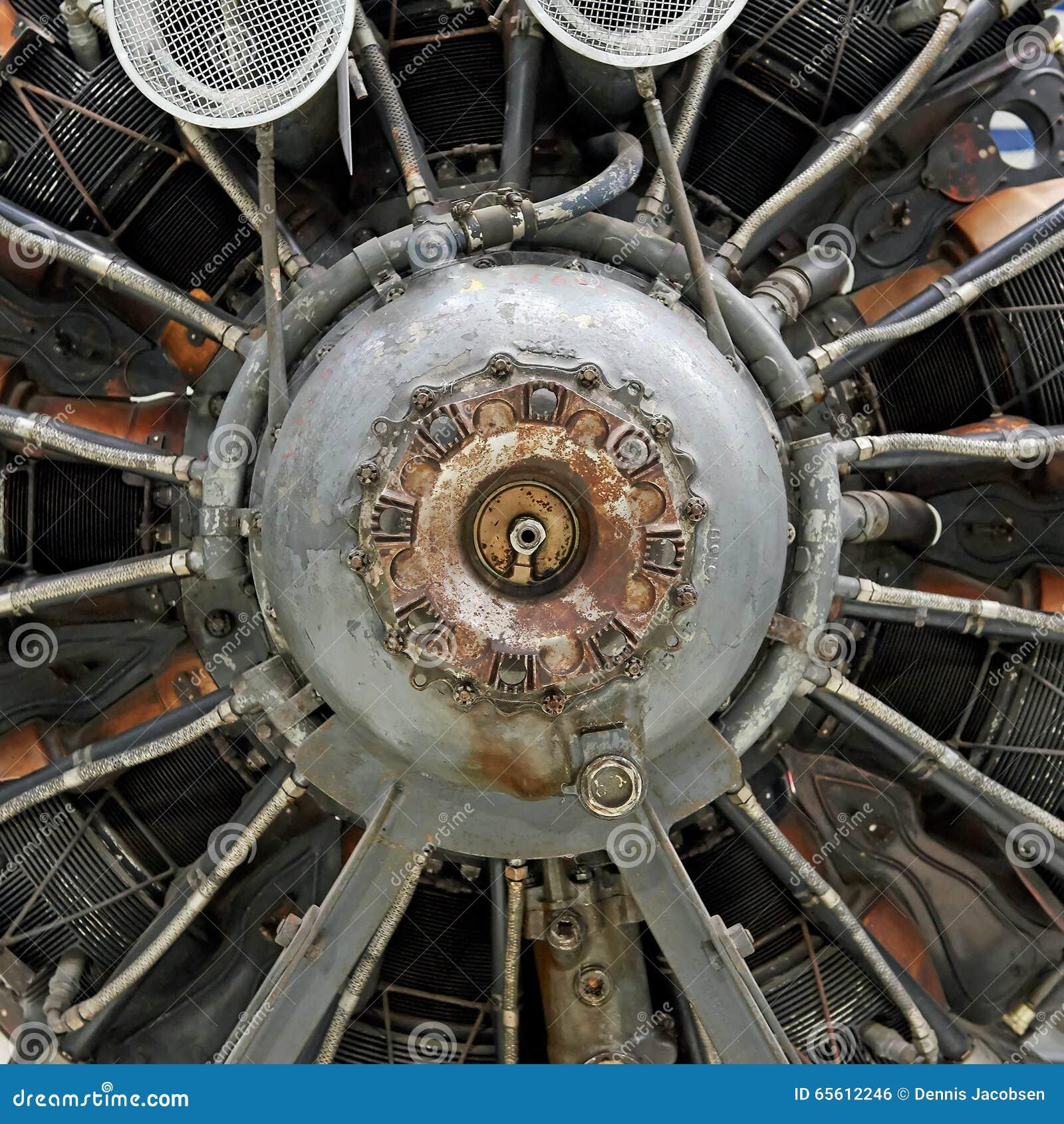 vieux moteur d 39 toile d 39 avion photo stock image du vieux interne 65612246. Black Bedroom Furniture Sets. Home Design Ideas