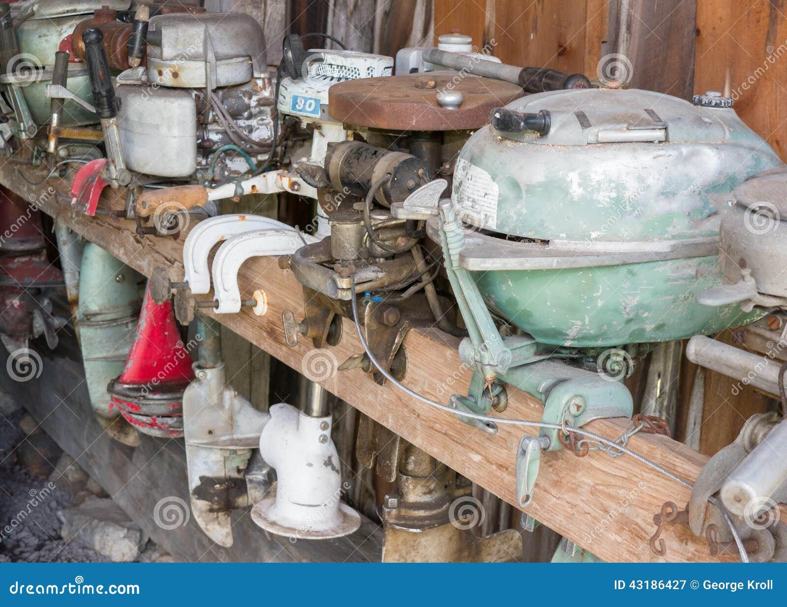 vieux moteurs de bateau image stock image du panneau 43186427. Black Bedroom Furniture Sets. Home Design Ideas