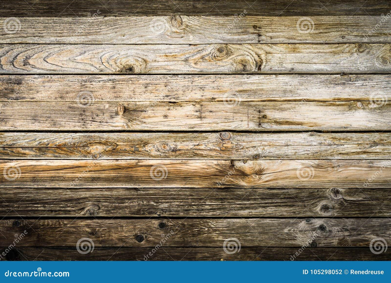 Vieux mur brun naturel en bois de grange modèle texturisé en bois