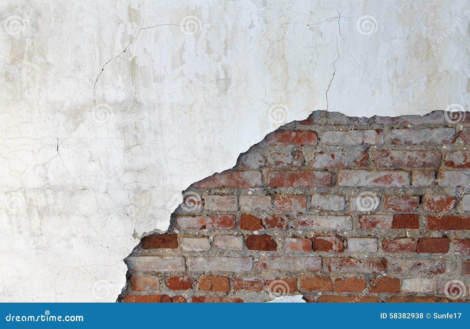 Vieux mur de briques et pl tre photo stock image 58382938 for Platrer un mur interieur