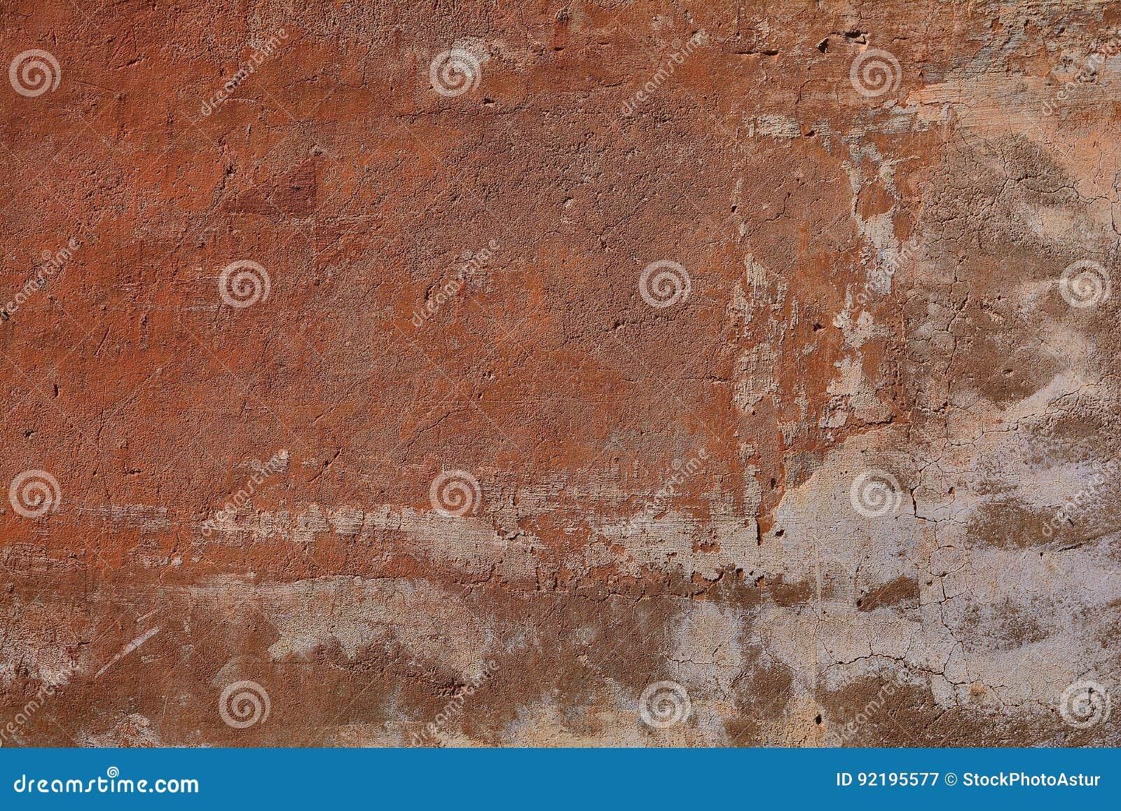 Mur Ocre vieux mur ocre criqué image stock. image du surface, rouge - 92195577