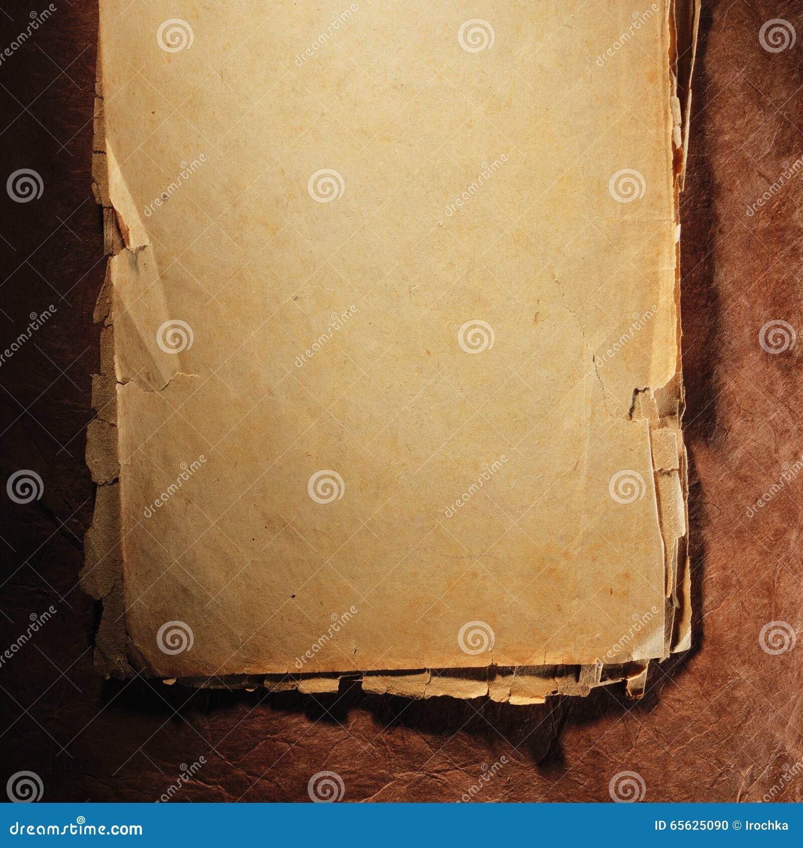 Vieux papier âgé par cru Fond ou texture initial