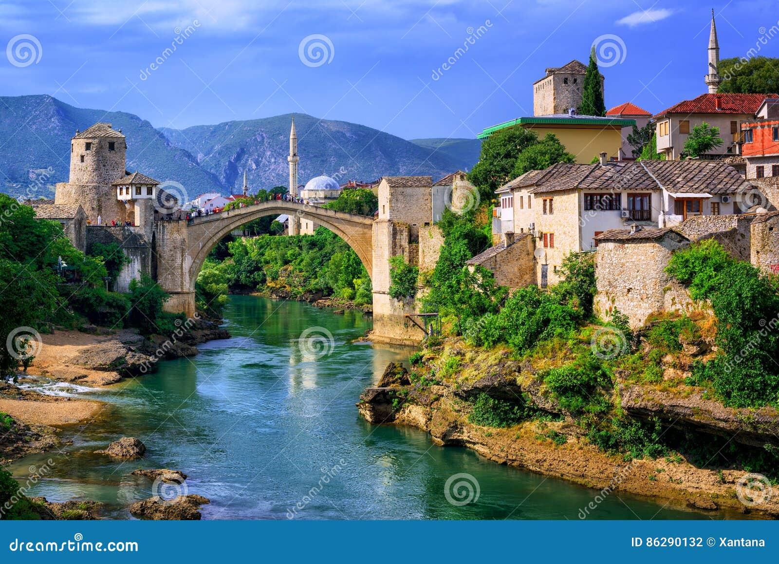 Vieux pont Stari plus à Mostar, Bosnie-Herzégovine