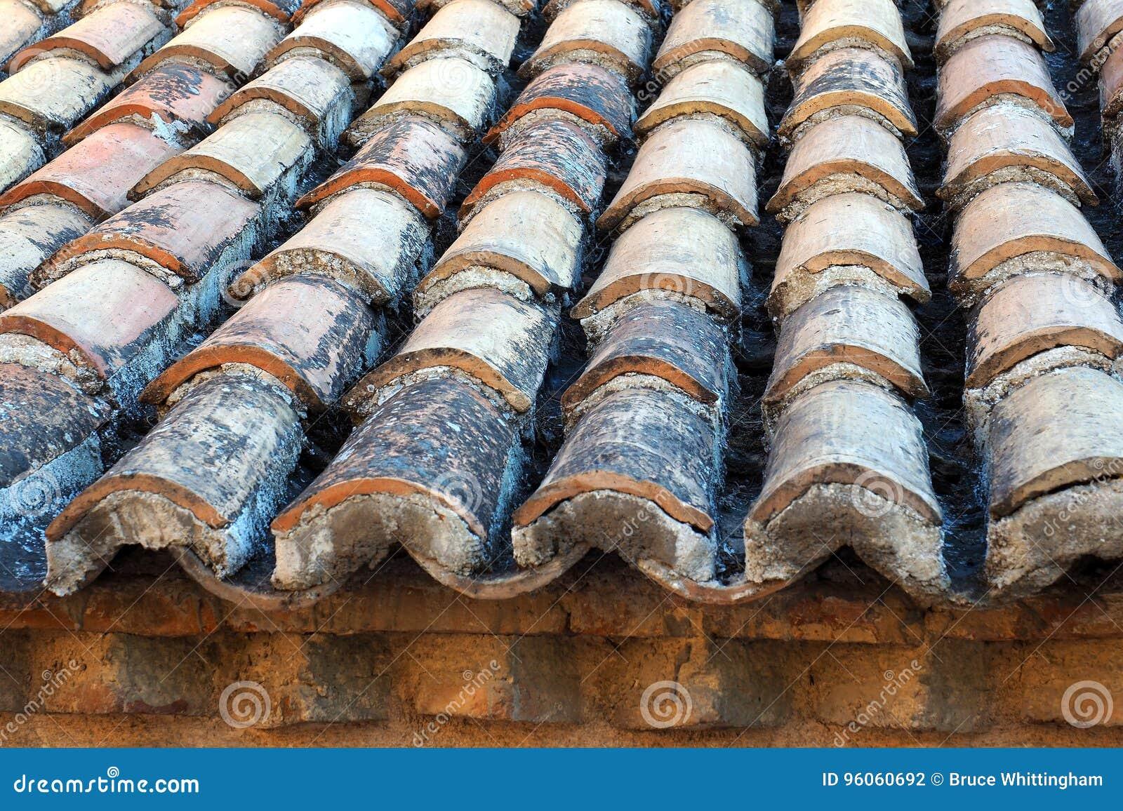 Vieux toit de tuile rond, Athènes, Grèce