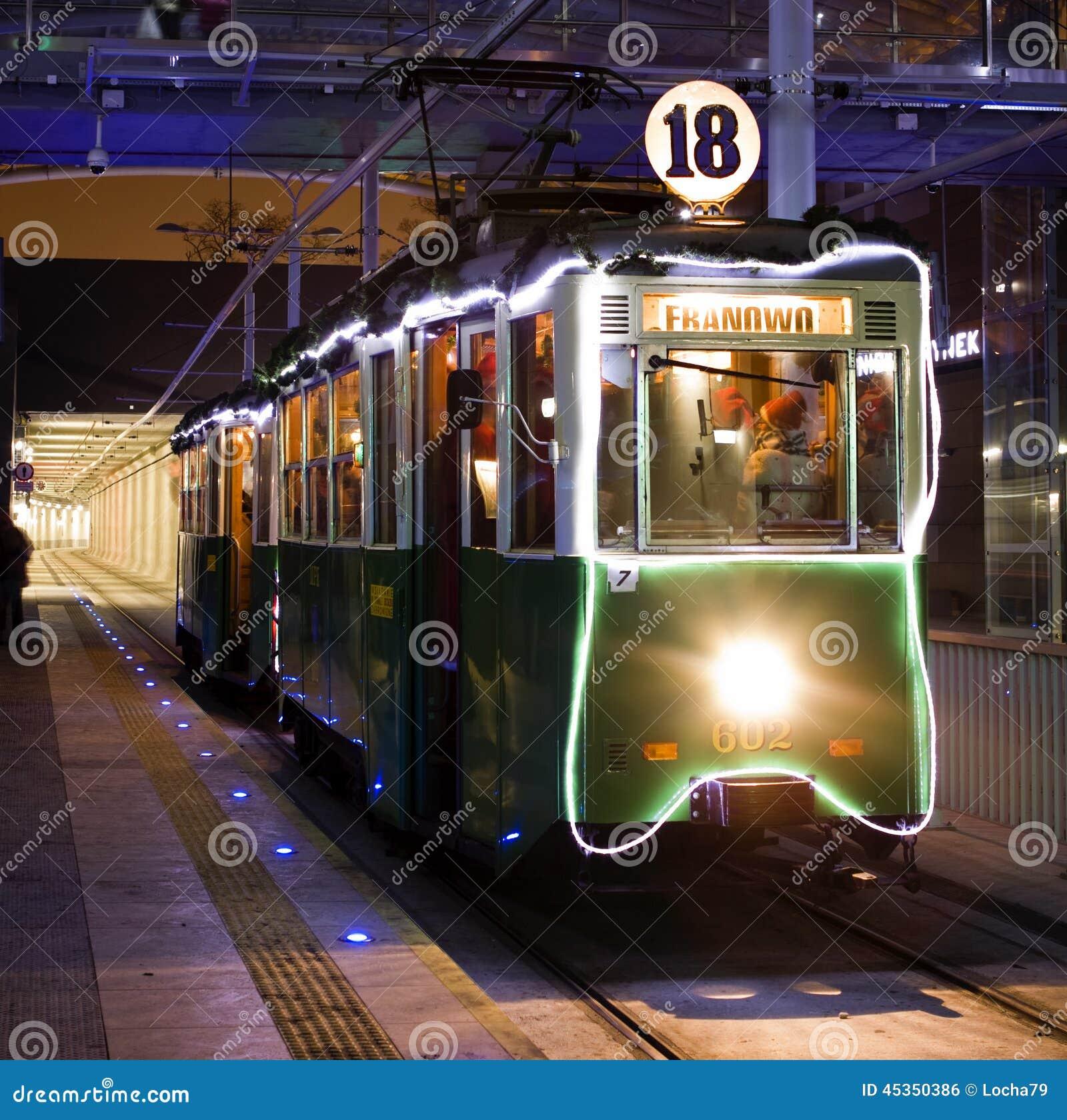 Vieux tram de Noël à Poznan