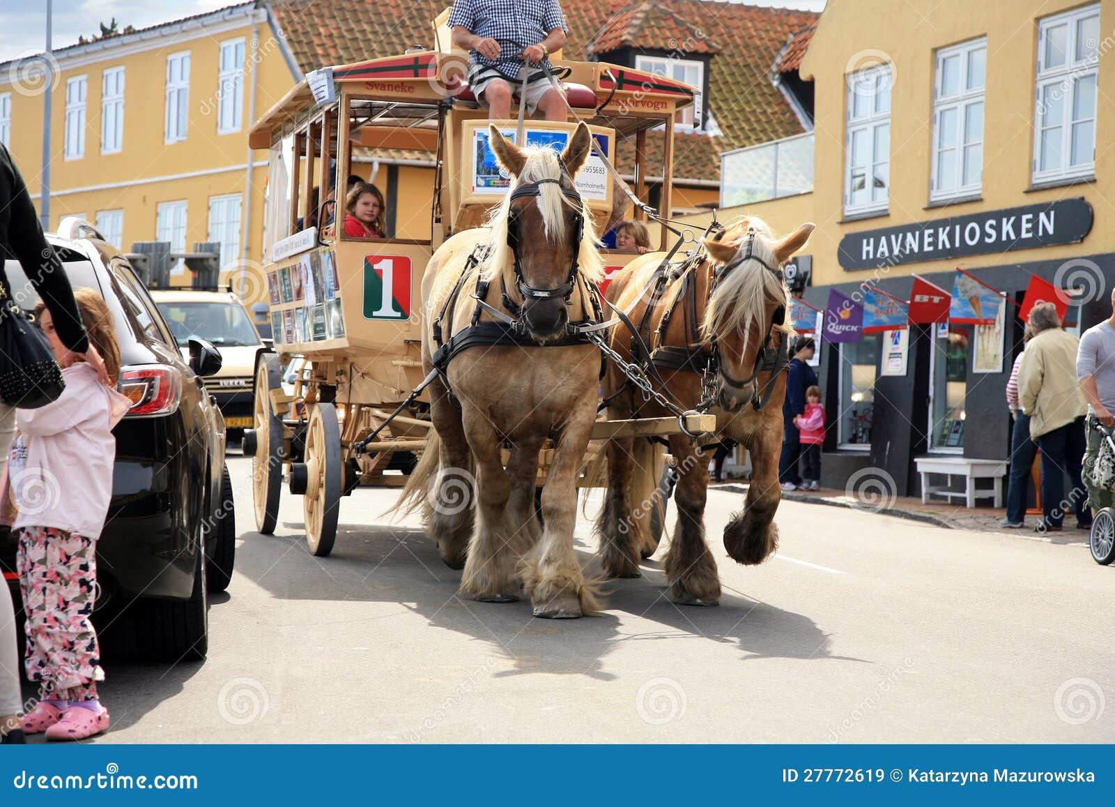 Vieux tramway de cheval dans Svaneke, Bornholm