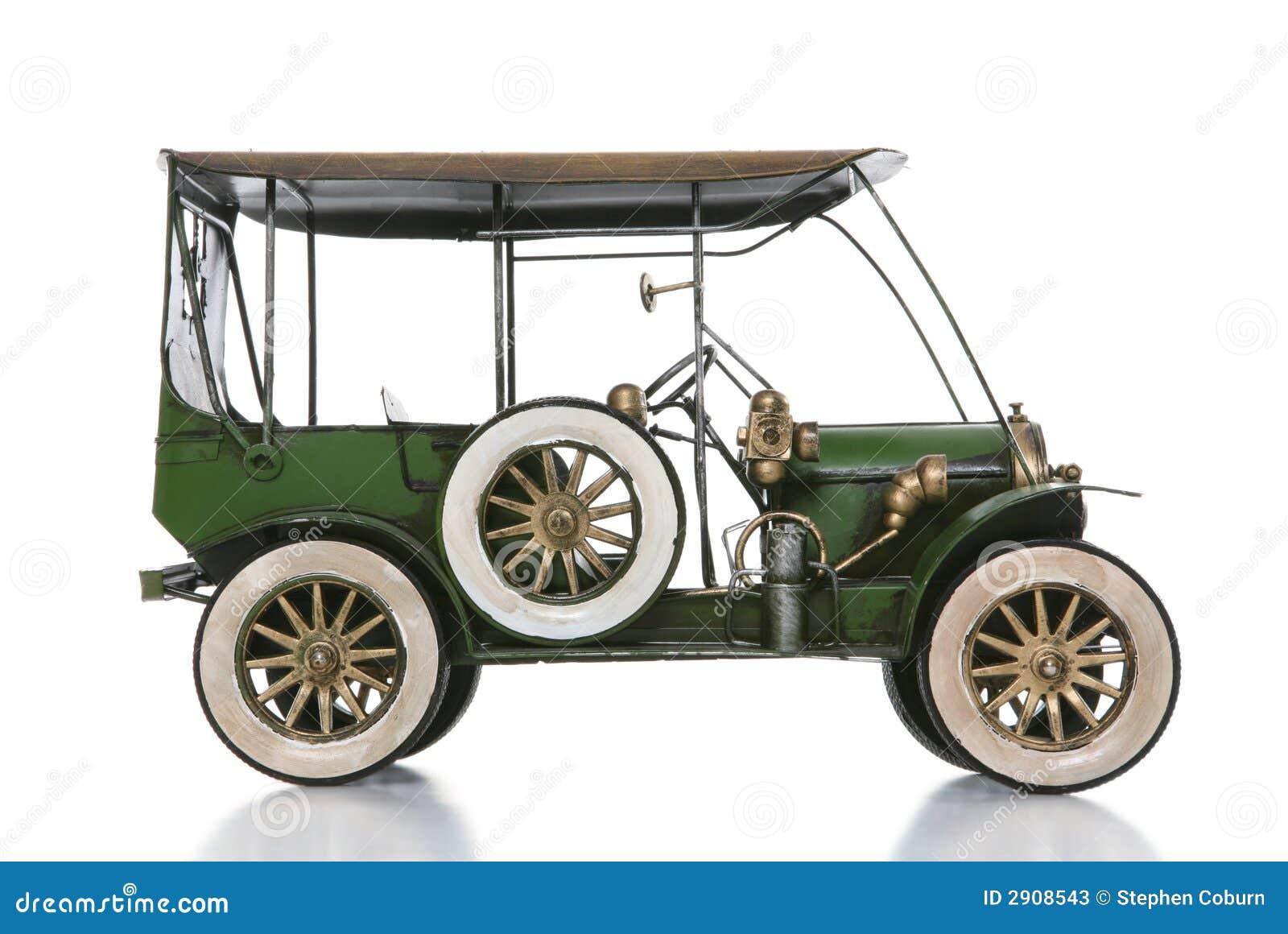 Vieux véhicule antique