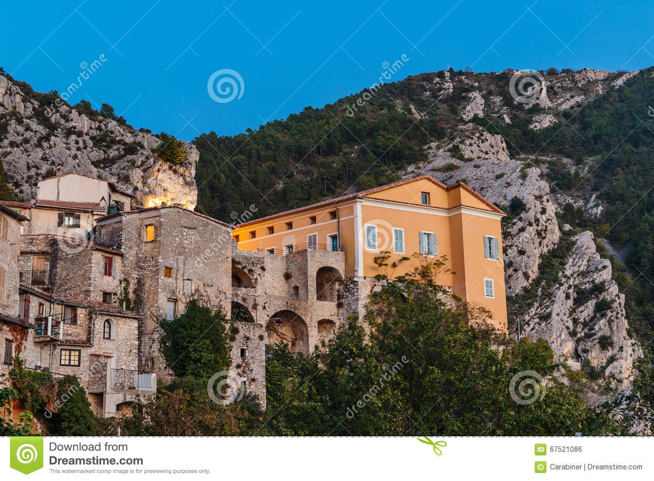 Vieux village peille provence alpes france de montagne for Alpes archi