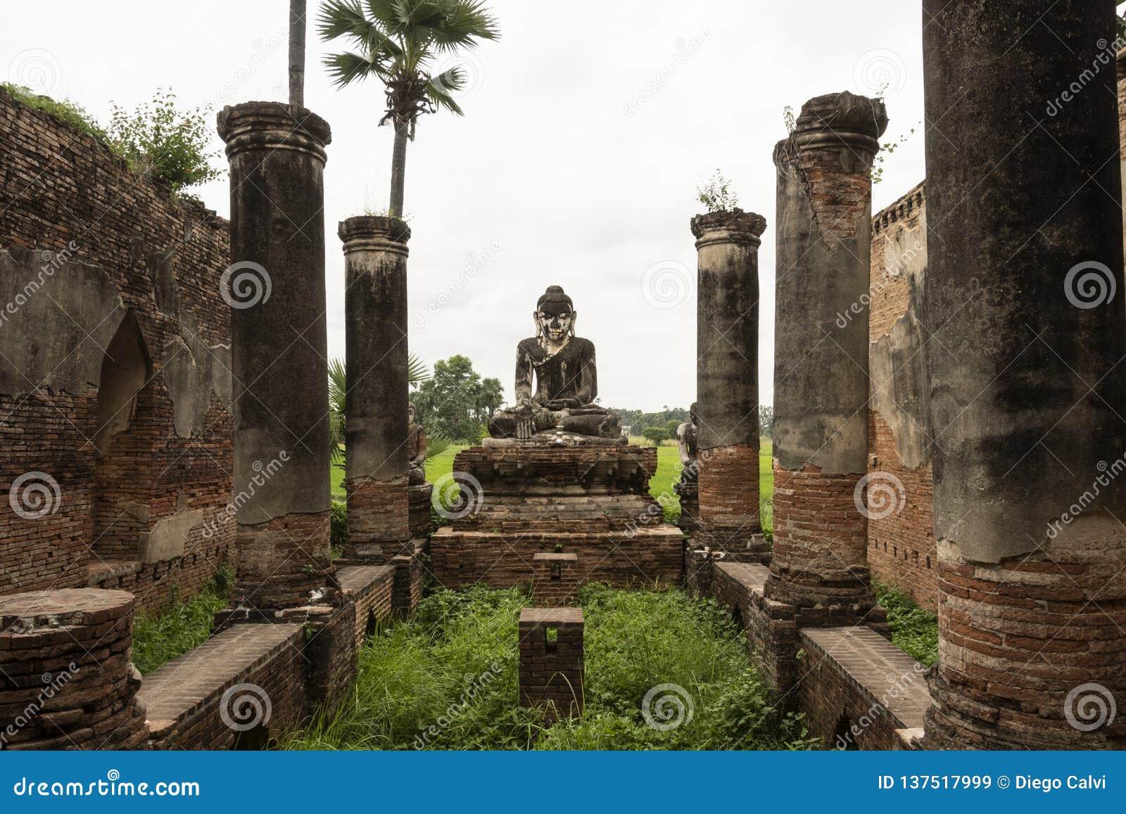 Ruins of an old Burmese temple