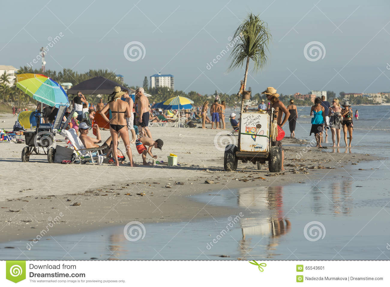 View of the beach from the fishing pier in fort myers for Beach fishing florida