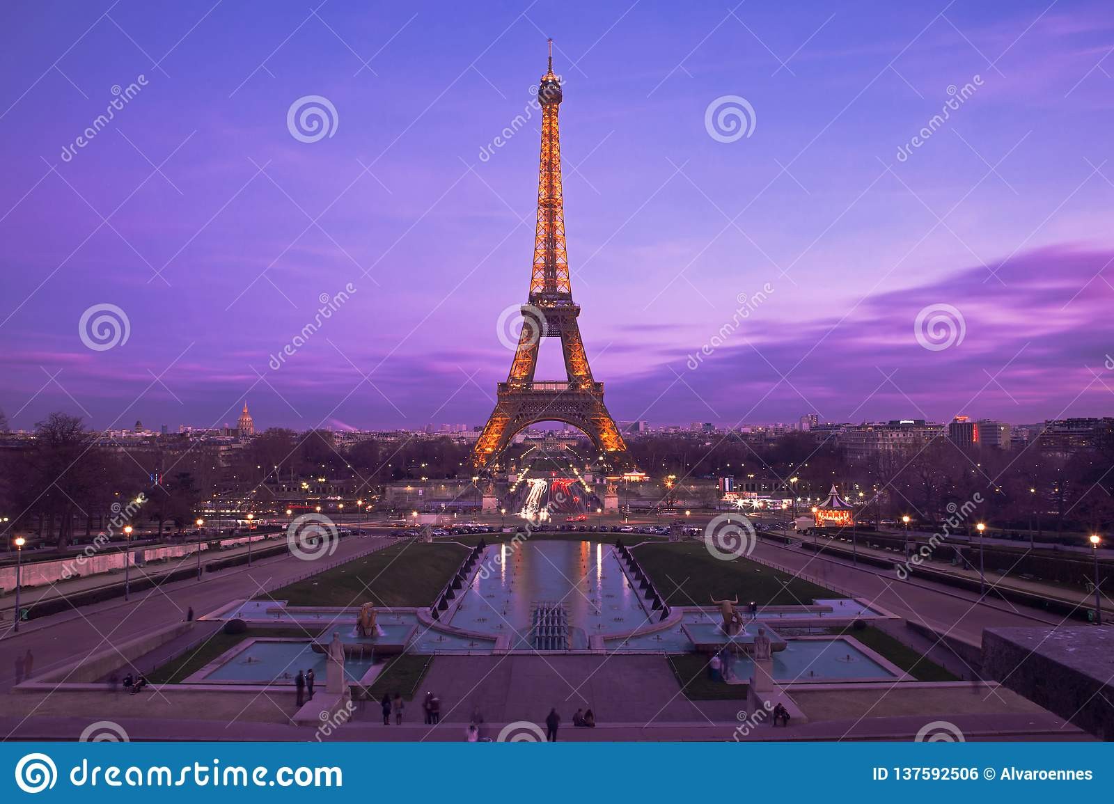 Eiffel Tower In A Purple Sunset Editorial Photo Image Of Architecture Tour 137592506