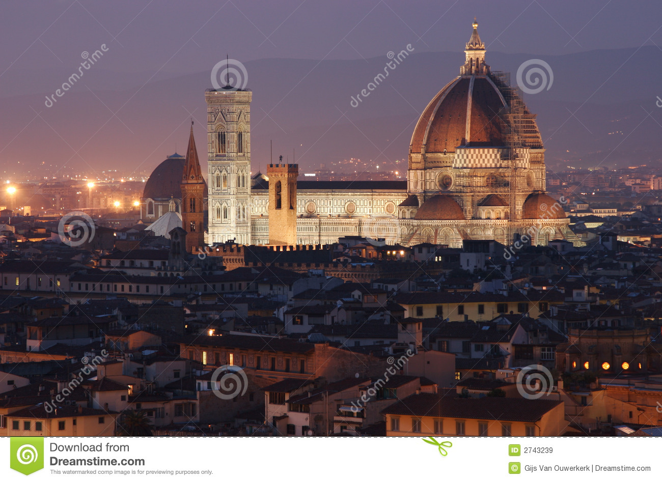 View on Florence Duomo at dusk