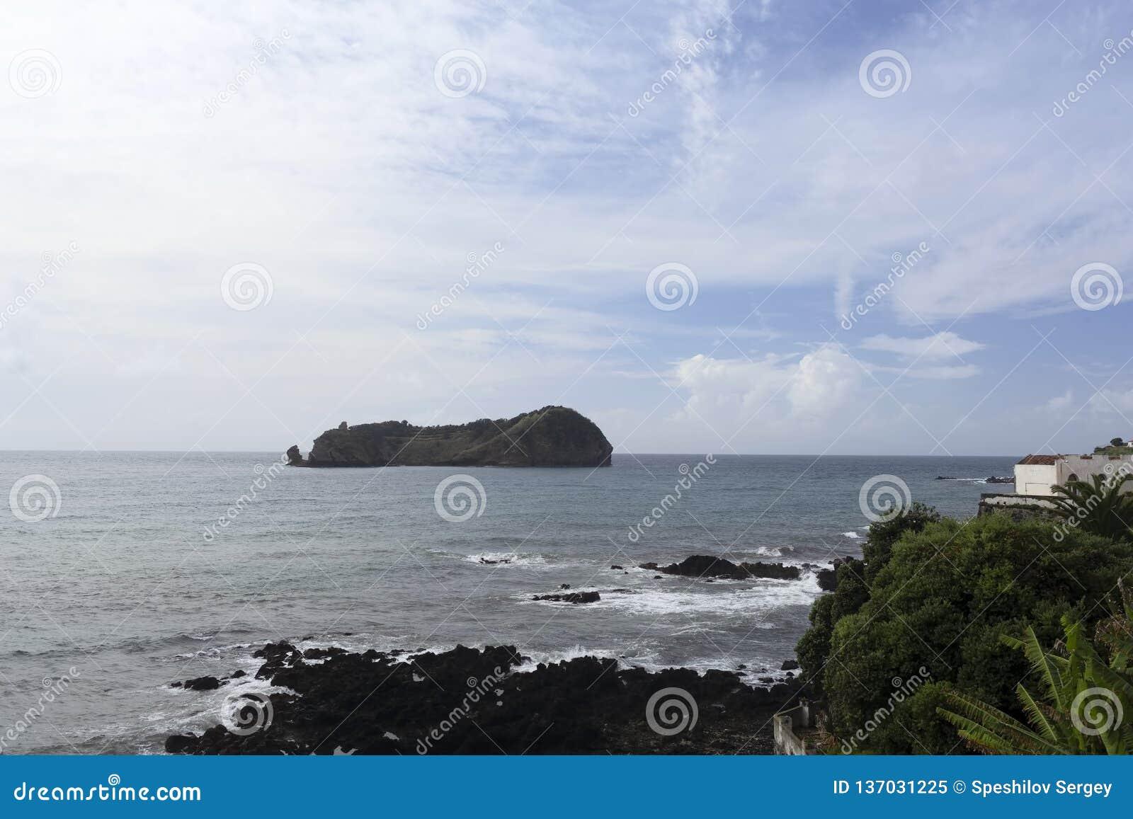 View of the island of Ilheu da Vila