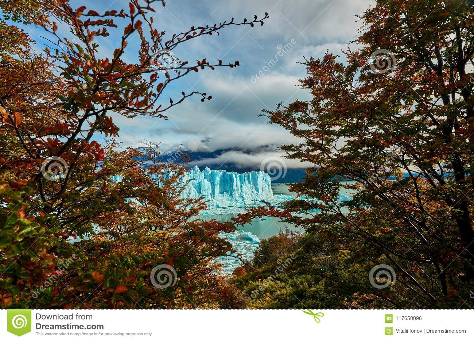 A view of the lake and glacier Perito Moreno national park Los Glaciares. The Argentine Patagonia in Autumn.