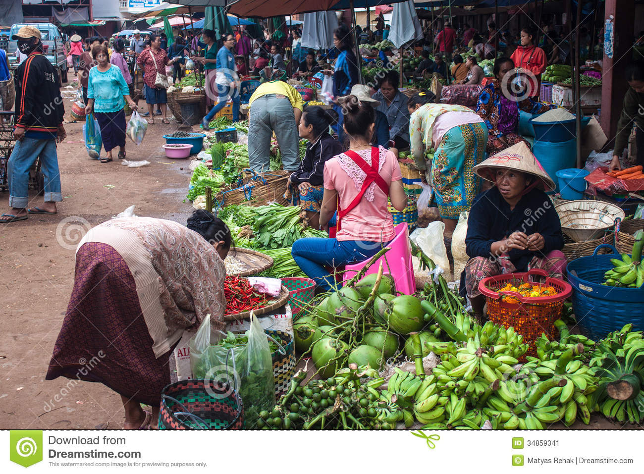 Pakse Laos  city images : PAKSE, LAOS SEP 13: View of a market in Pakse, Laos on Sep 13, 2013 ...