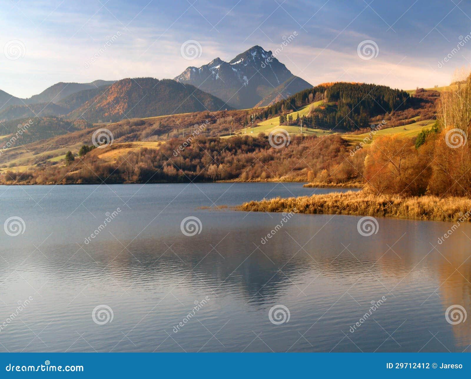 Besenova reservoir and Choc at sundown