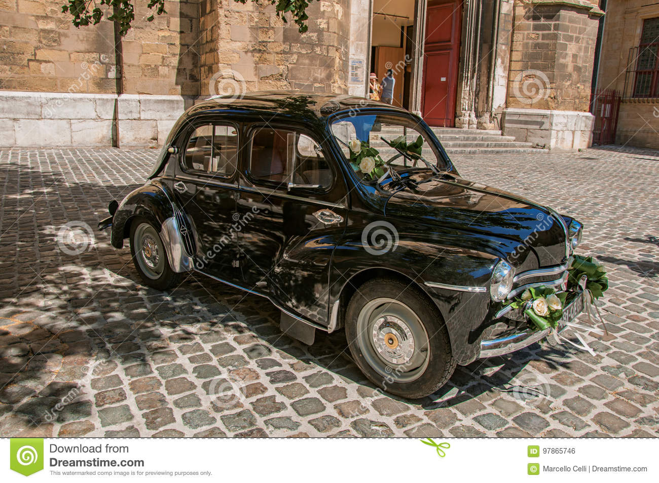 View of old model car for newlyweds in Aix-en-Provence.