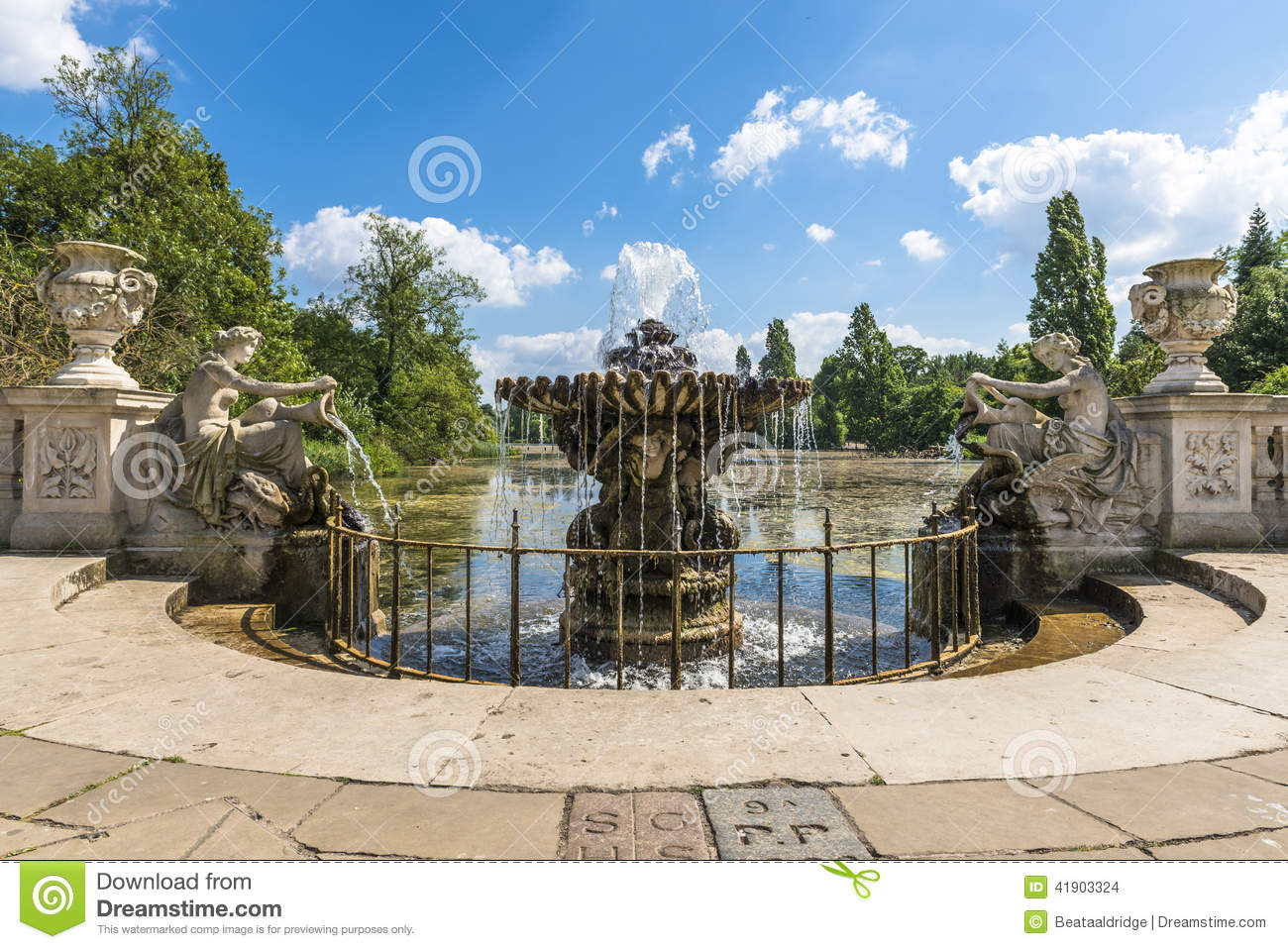 Water fountains hyde park - View Of An Old Stone Fountain In Hyde Park London