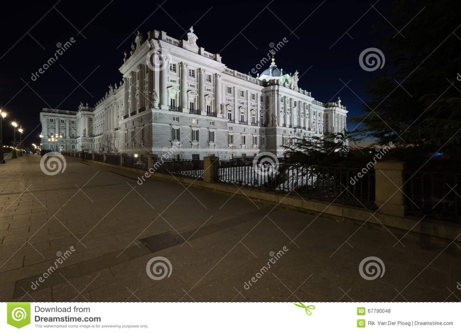 View of Palacio Real by night