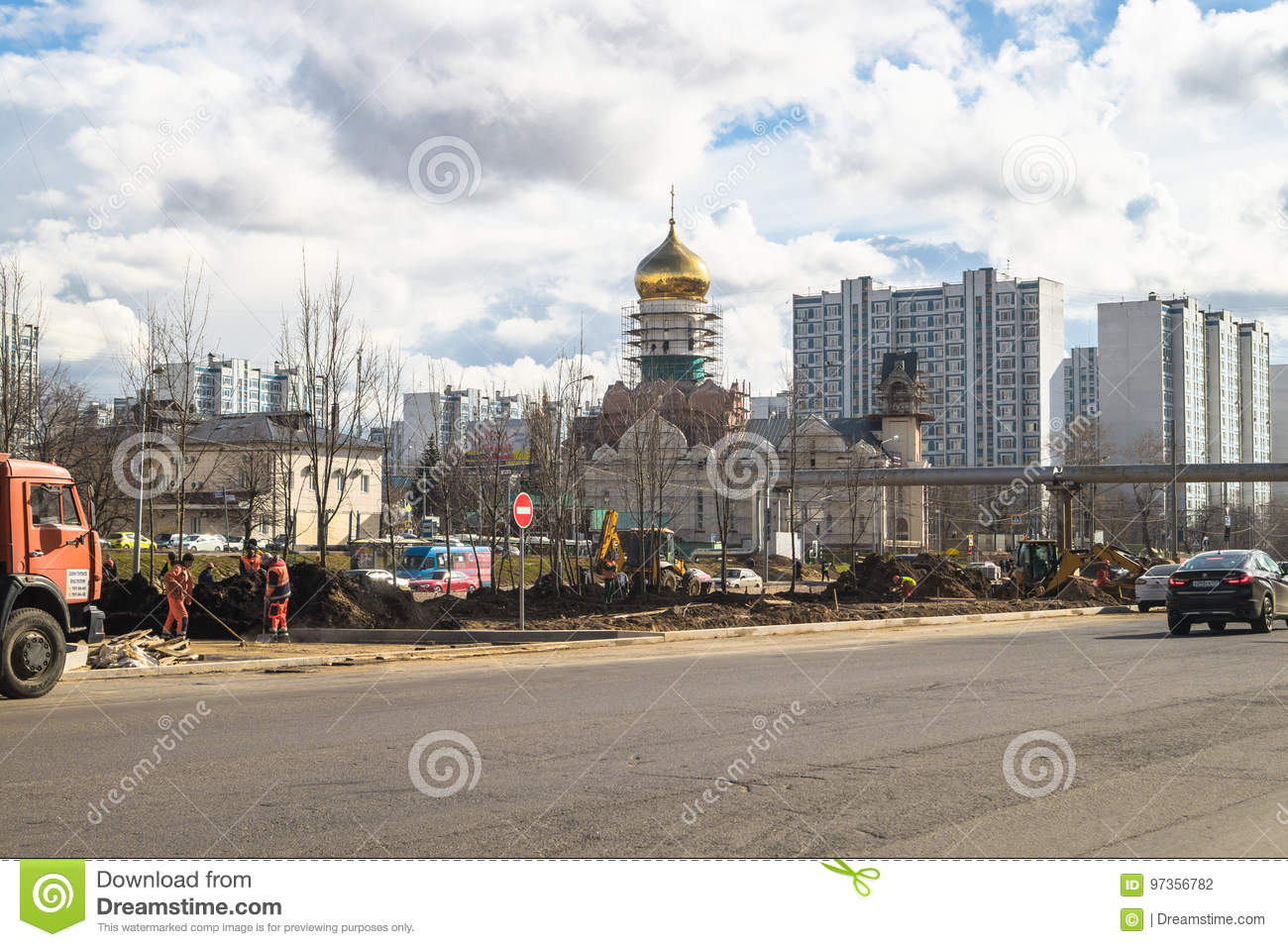 In Moscow, part of Michurinsky Avenue reconstructed for 230 million rubles 73