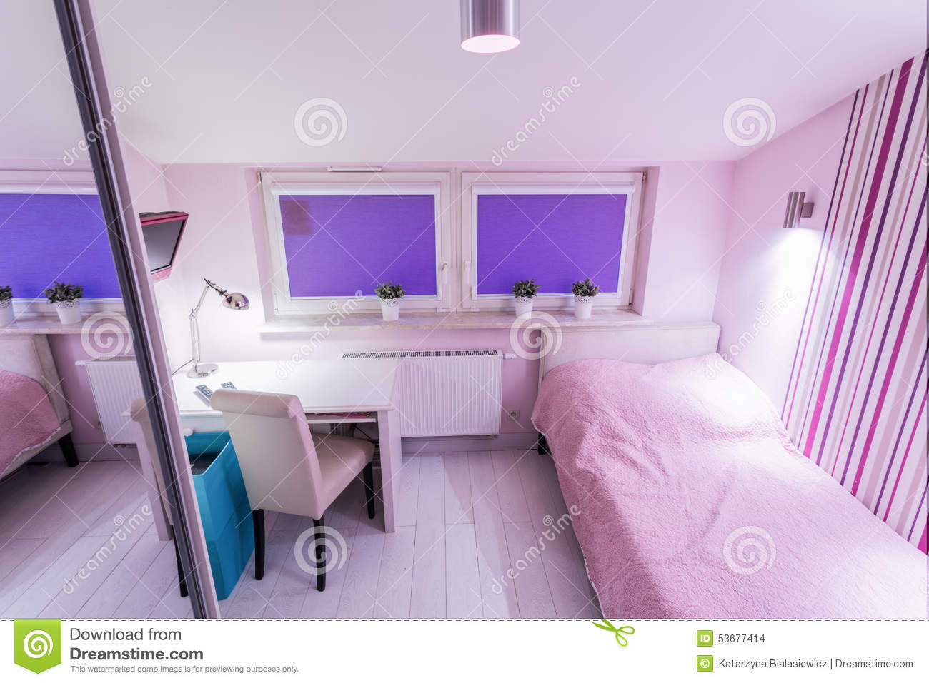 images of pink bedrooms small bedroom royalty free stock photography 15632