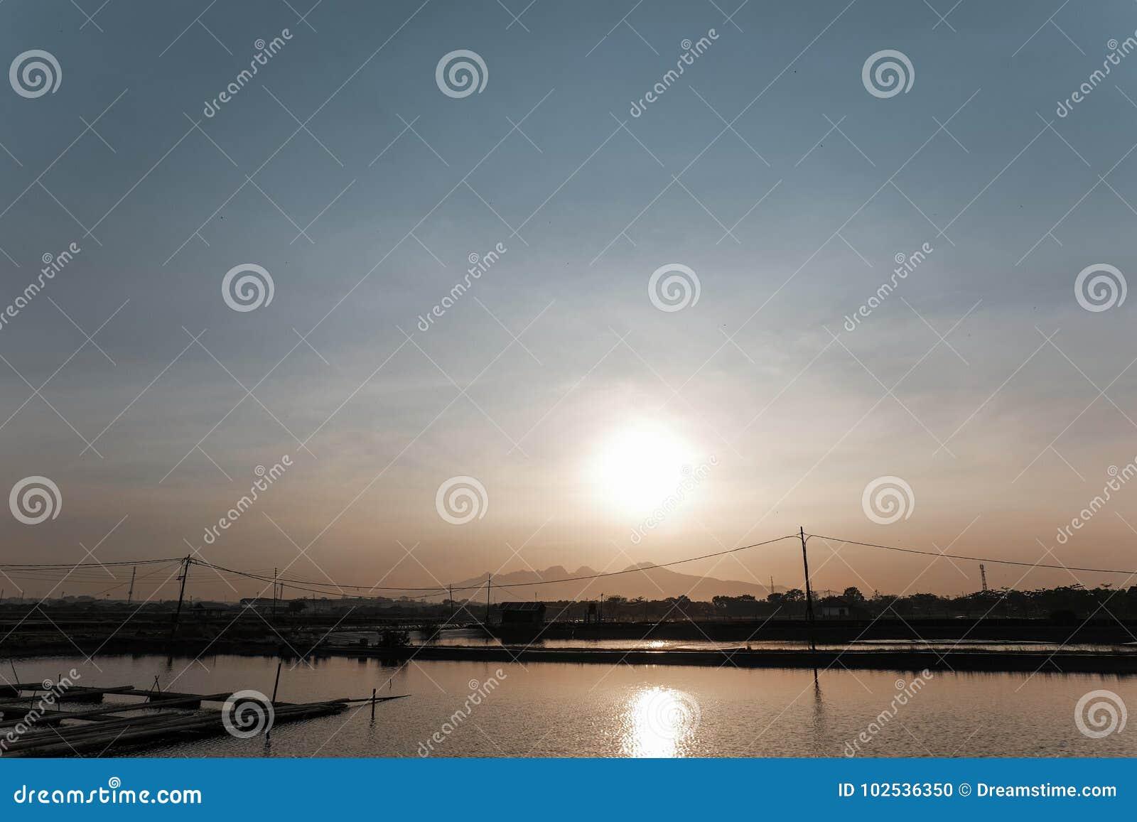 Sea sun and mountains