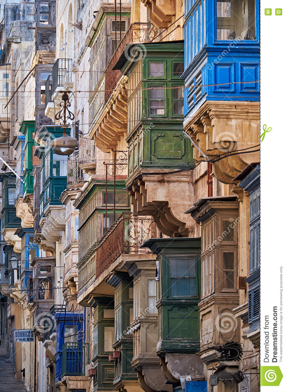 Traditional maltese balcony in valletta malta royalty for Traditional balconies