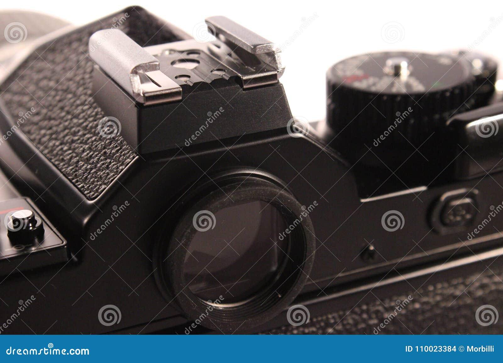Viewfinder akcesoryjny but z speedlight kontaktem na analogowej kamerze