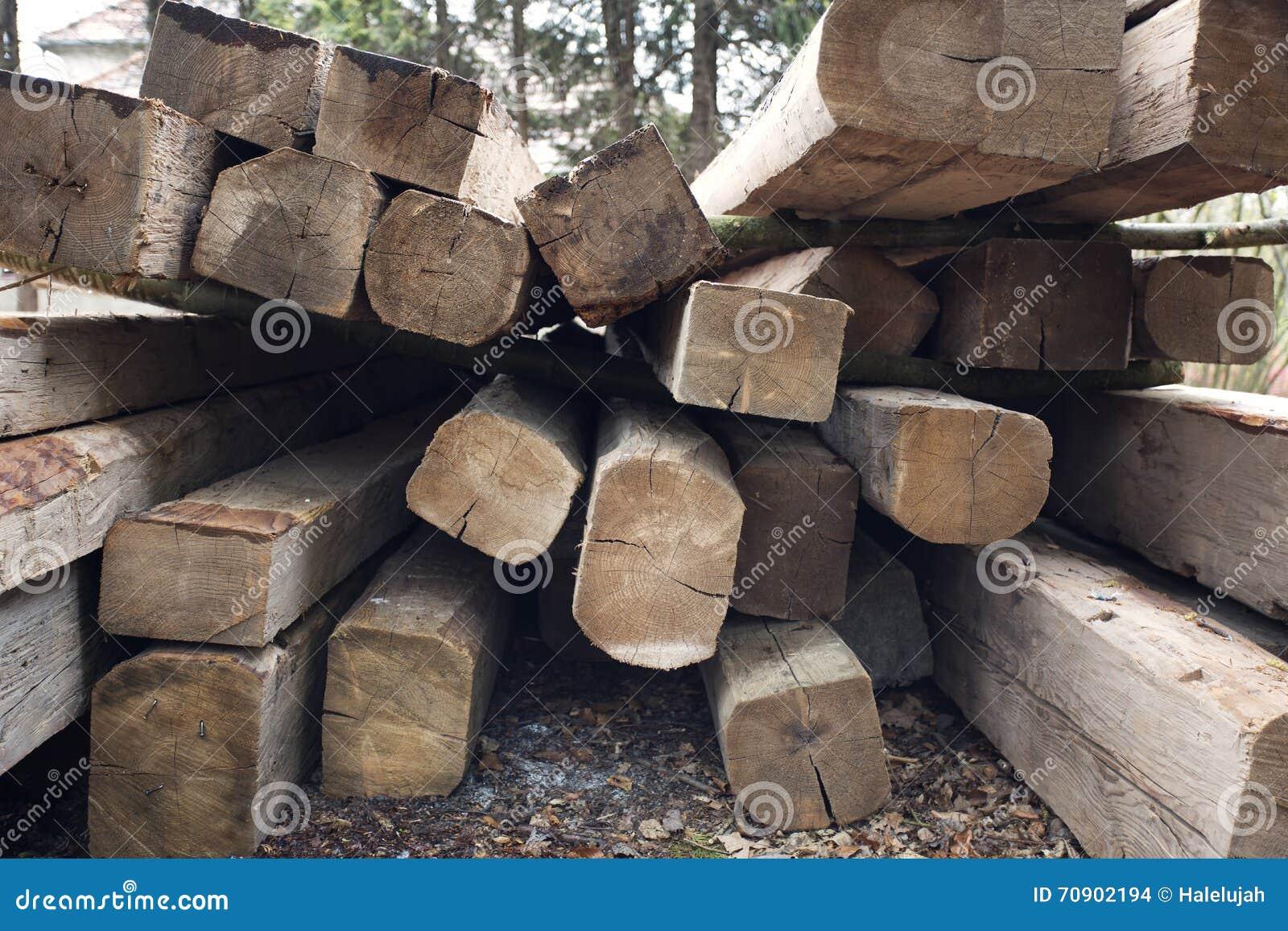 Vigas de madera tejado que construye componentes de madera for Tejados de madera para exterior