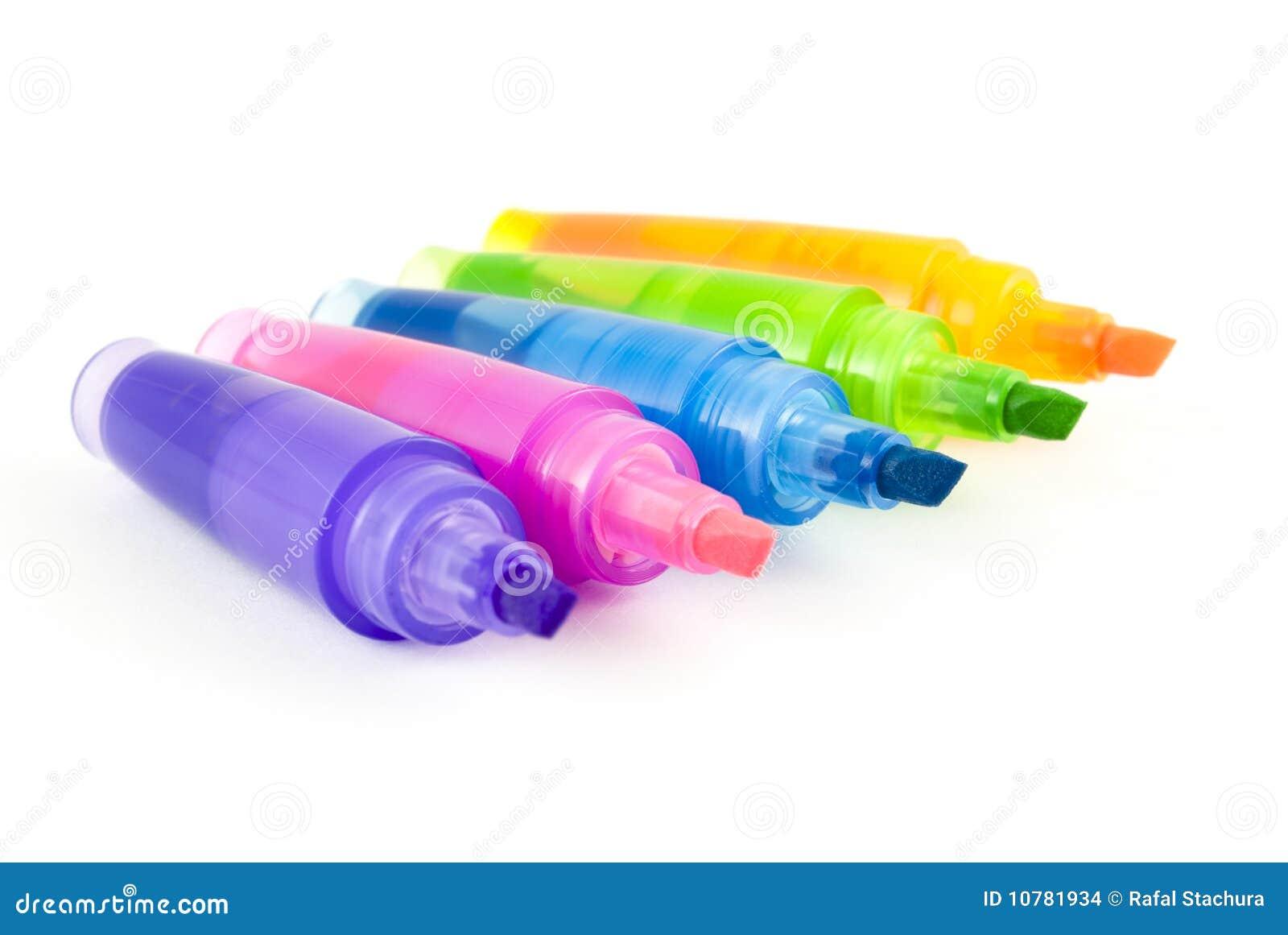 Vijf kleurrijke highlighters