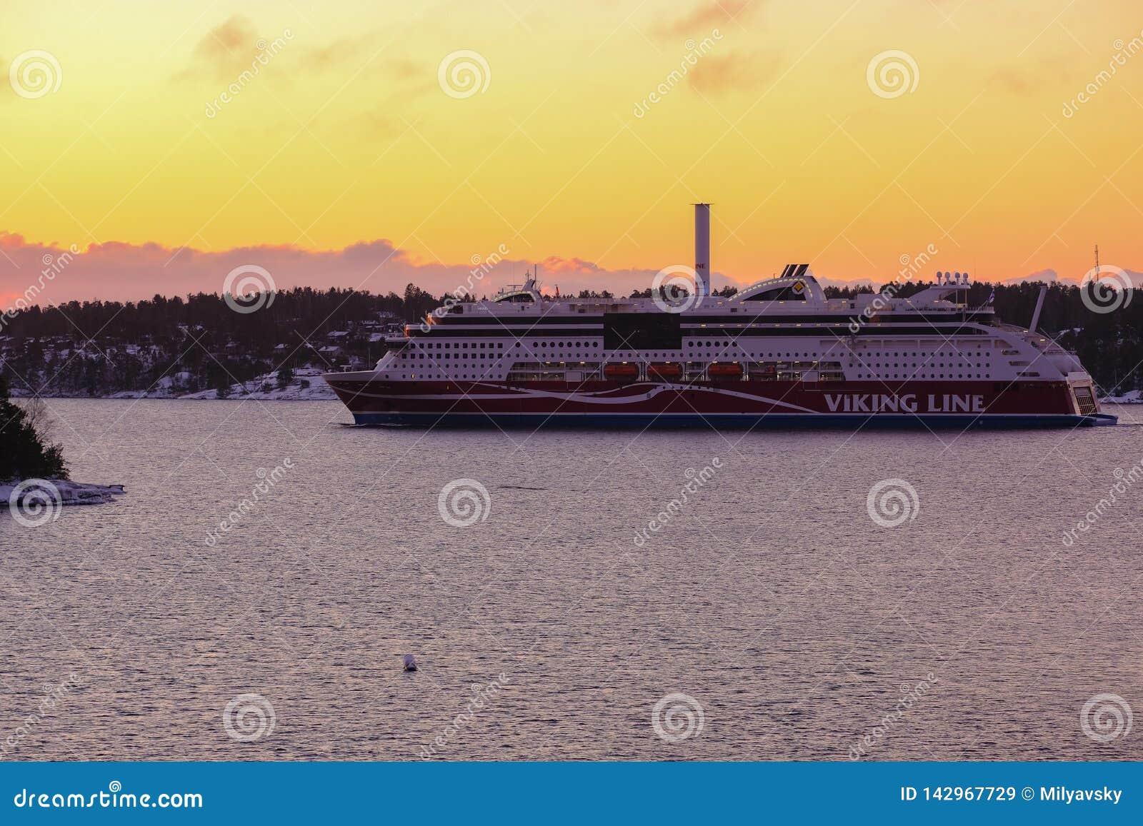 Viking-de voering van de lijncruise, zonsondergang