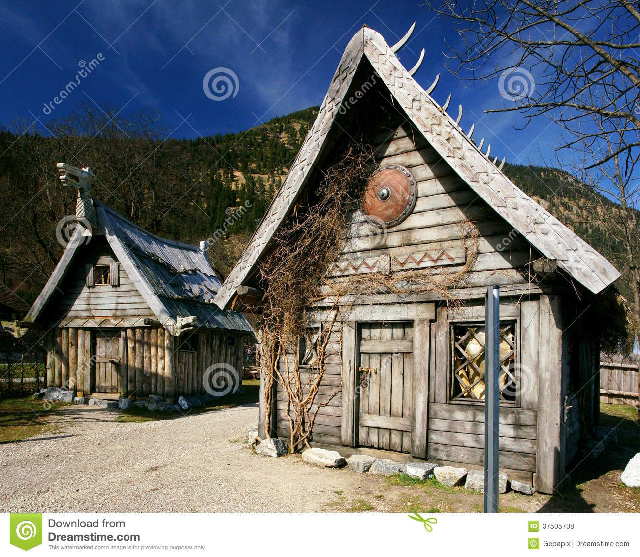 Viking Houses Editorial Stock Photo - Image: 37505708