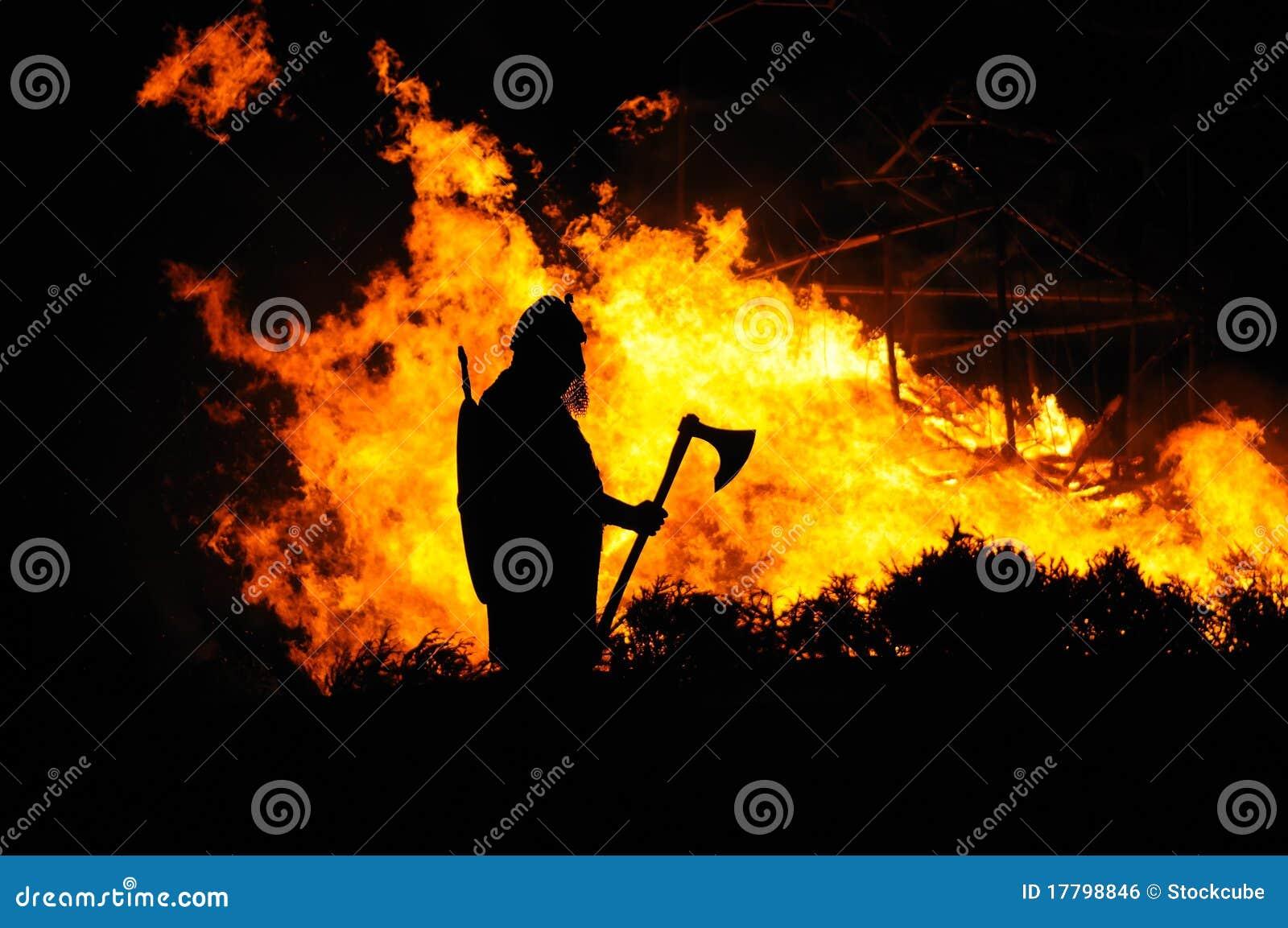 Vikingo y edificio ardiente