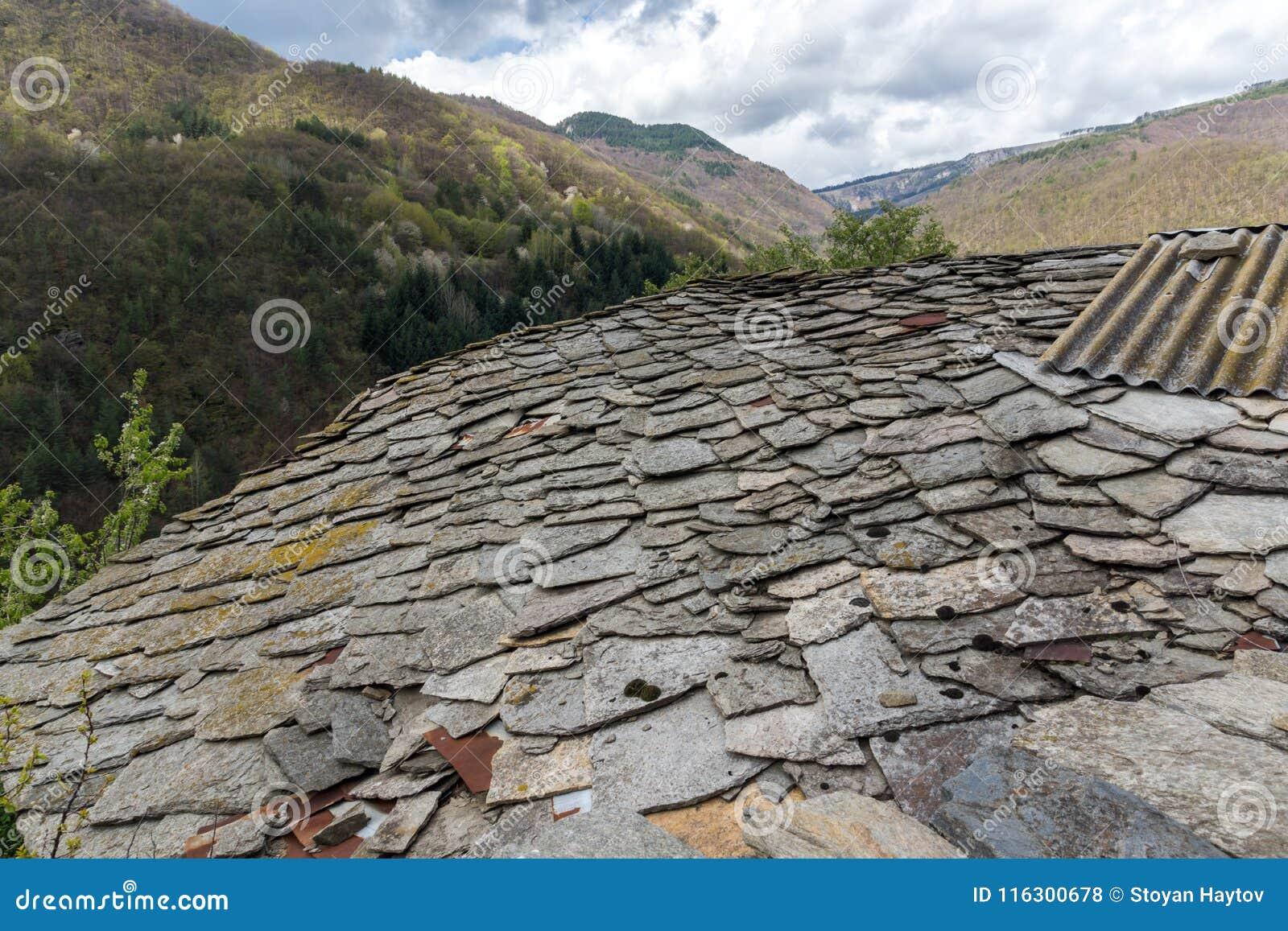 Vila de Kosovo com as casas do século XIX autênticas, Bulgária