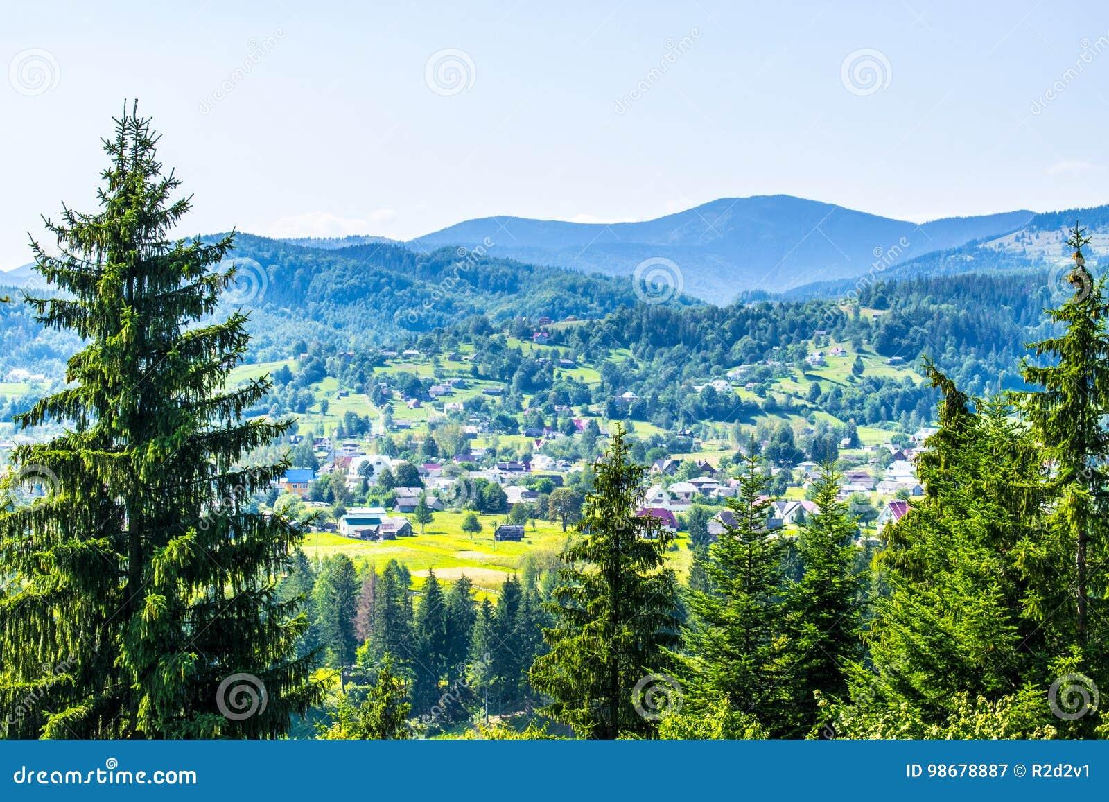 Vila nos montes
