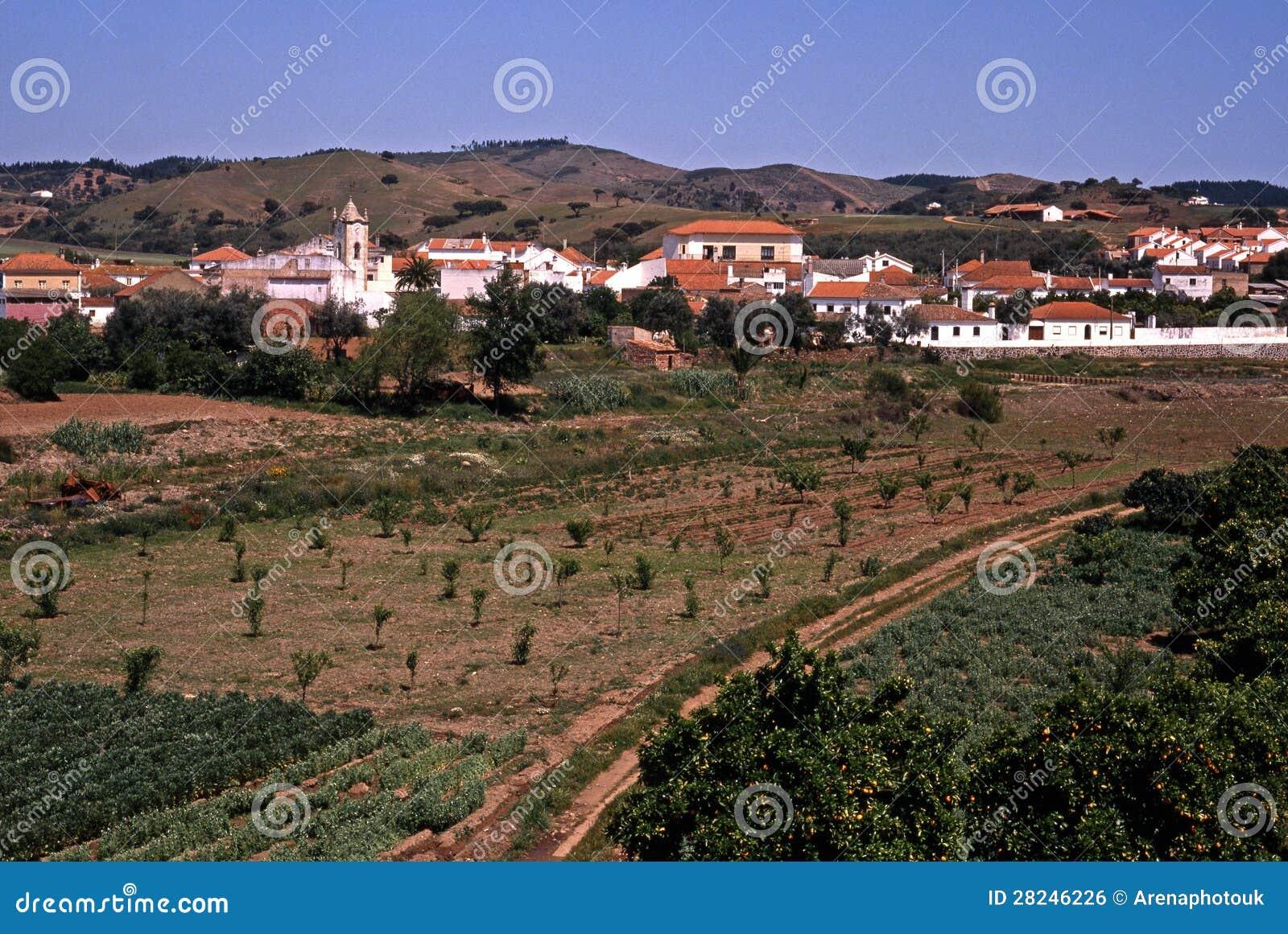Vila portuguesa, Santa Clara-um-Velha, Portugal.