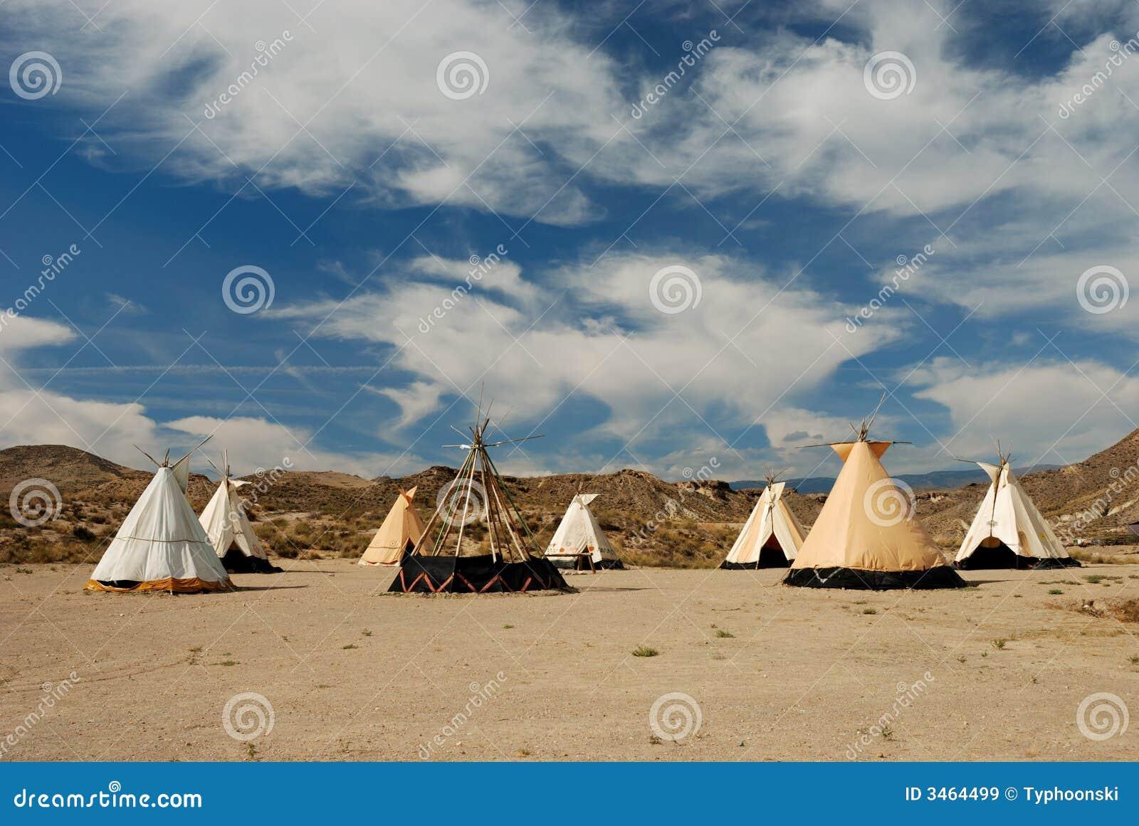 Vila tradicional do teepee