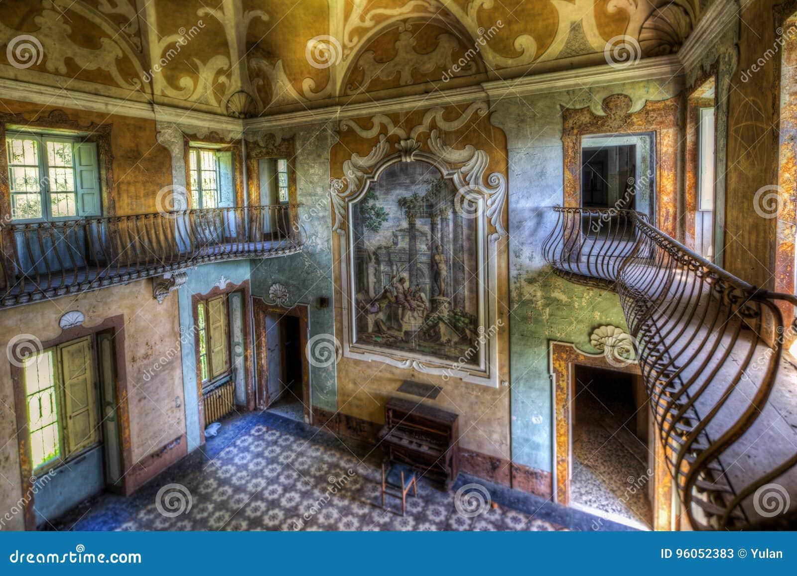 Villa abandonnée Sbertoli, Italie