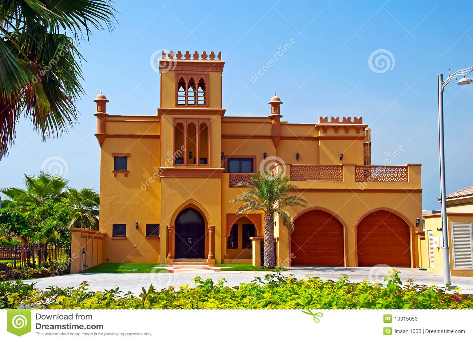 Villa arabe photos stock image 10315053 for Architecture maison arabe