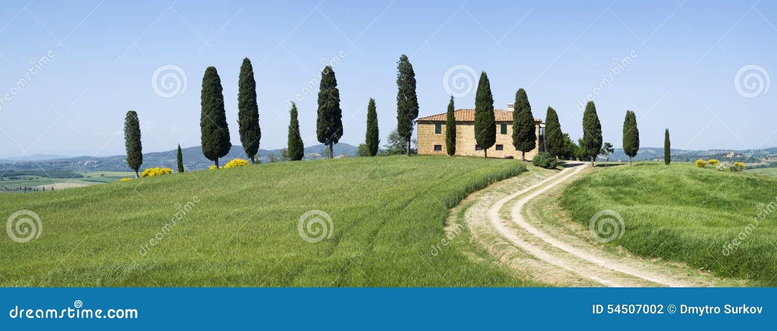 Villa dans le paysage rural