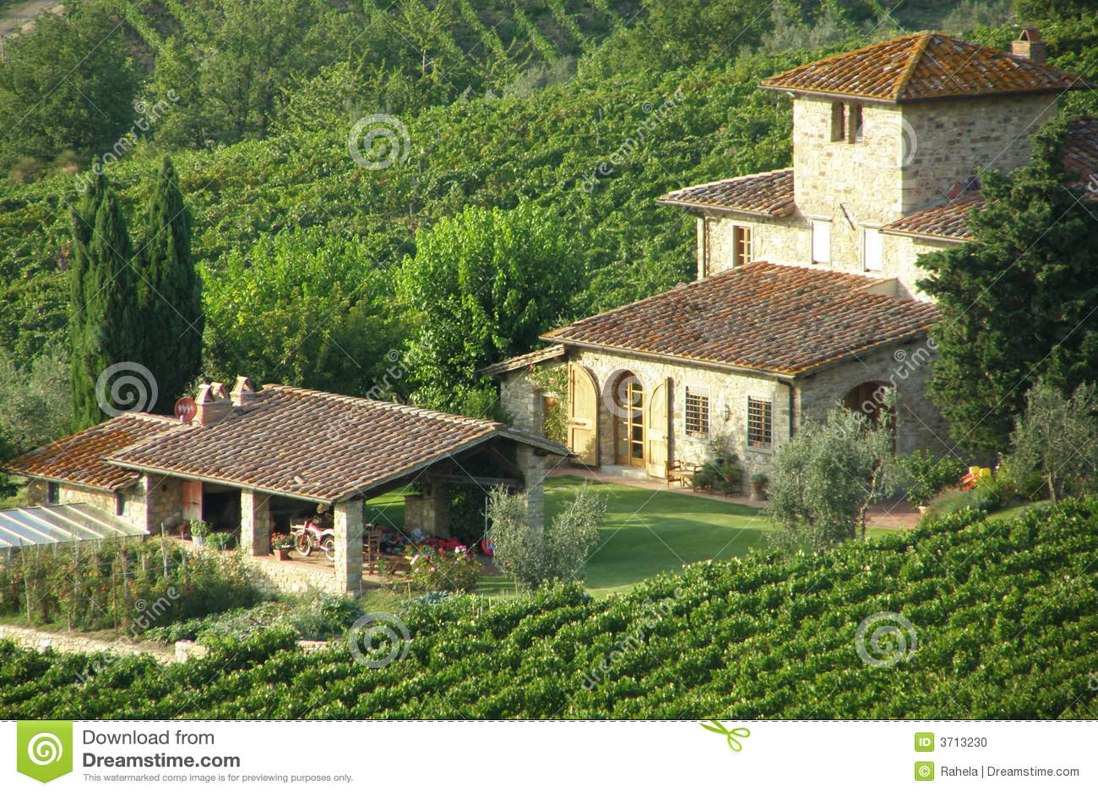 villa de campagne photo stock image du herbes fond destination 3713230. Black Bedroom Furniture Sets. Home Design Ideas
