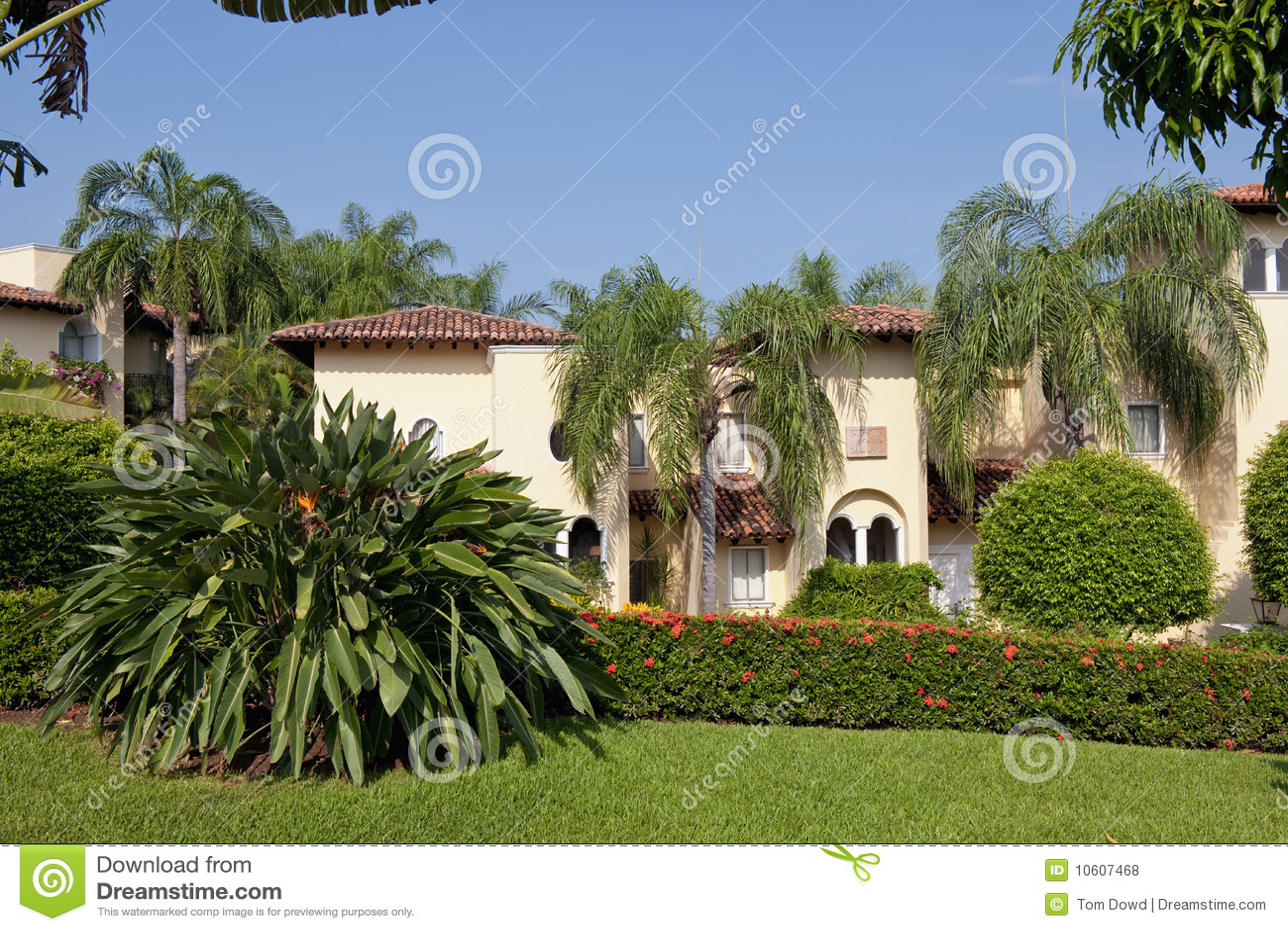 Villa With Garden Royalty Free Stock Photos Image 10607468