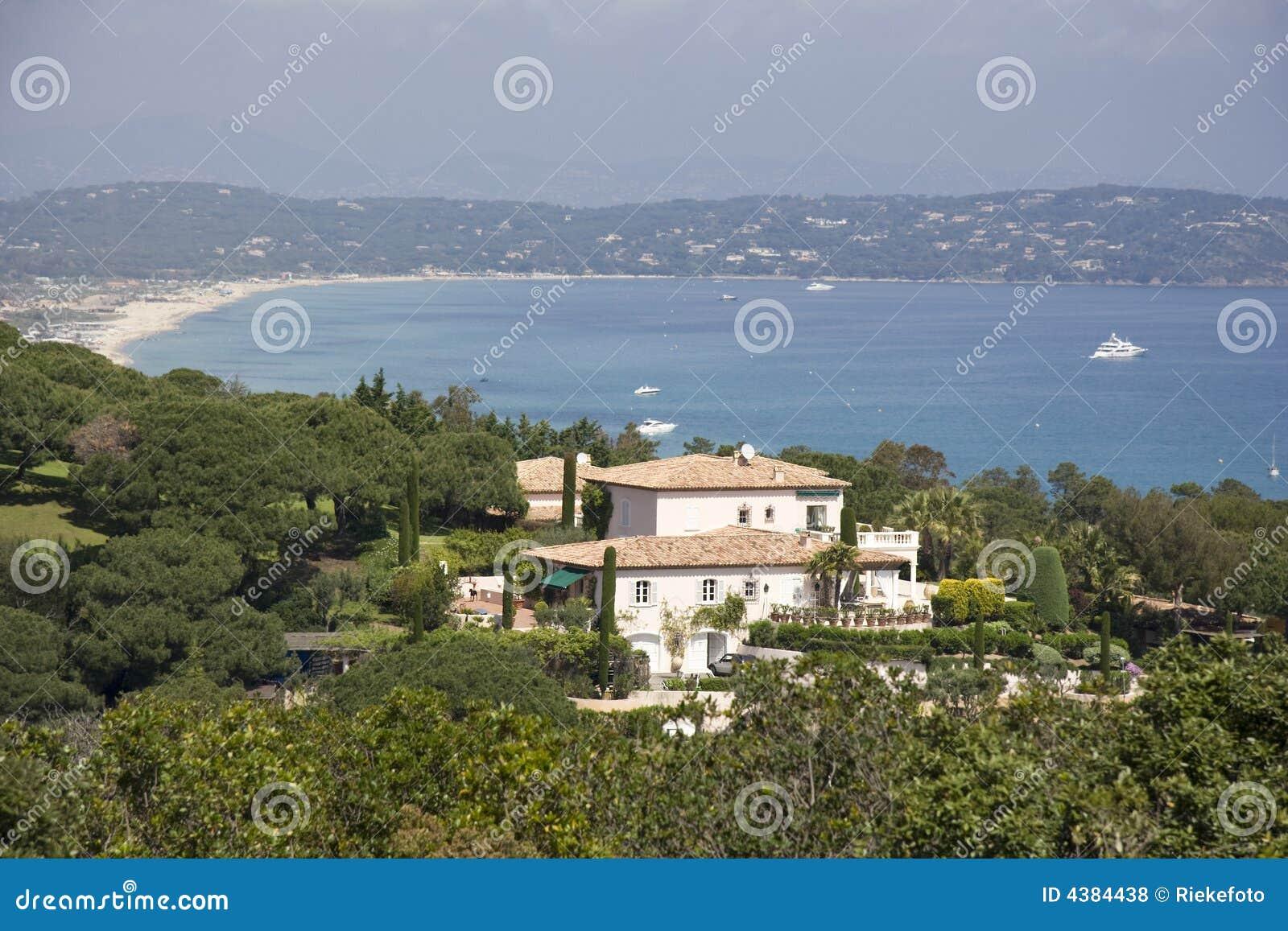 Villa over the gulf of Saint-Tropez
