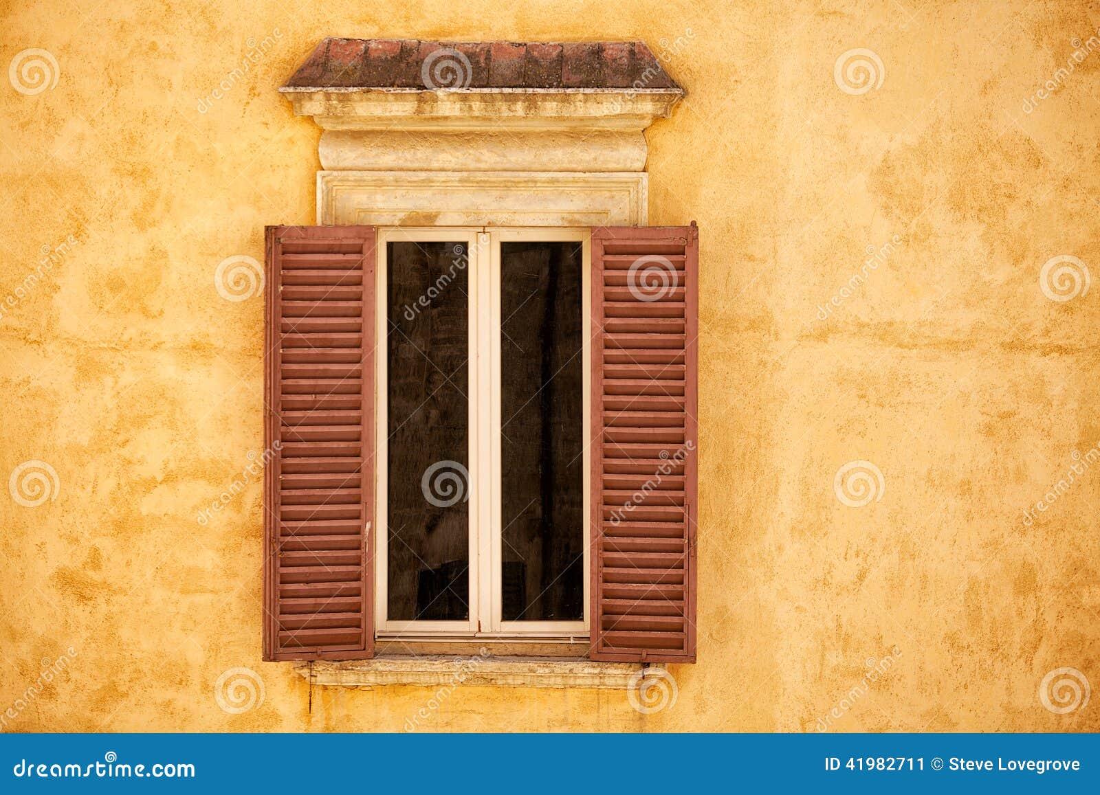 Villafönster Arkivfoto - Bild: 41982711