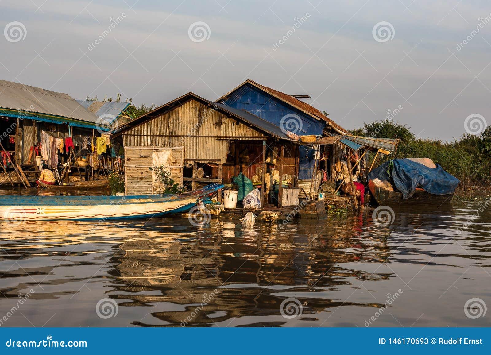 Village de flottement, Cambodge, s?ve de Tonle, ?le de Koh Rong
