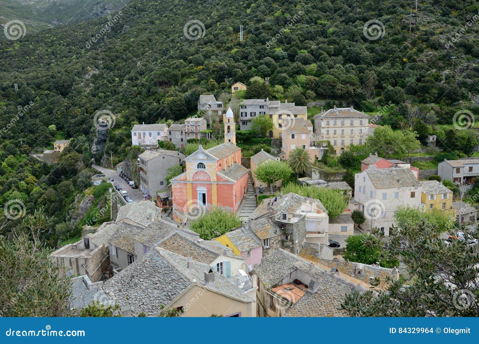 Village de montagne corse Nonza