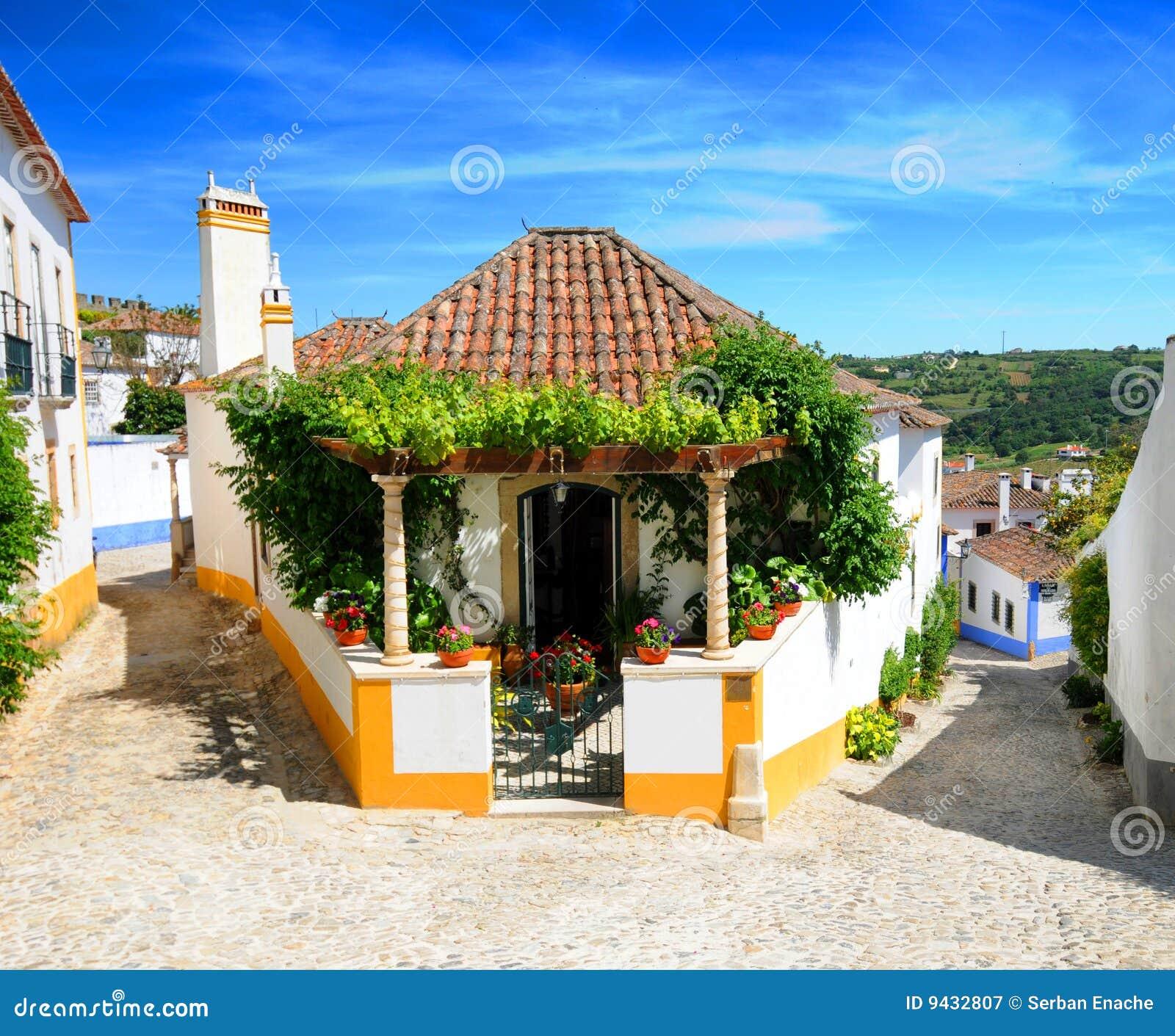 village du portugal d 39 obidos photographie stock libre de. Black Bedroom Furniture Sets. Home Design Ideas